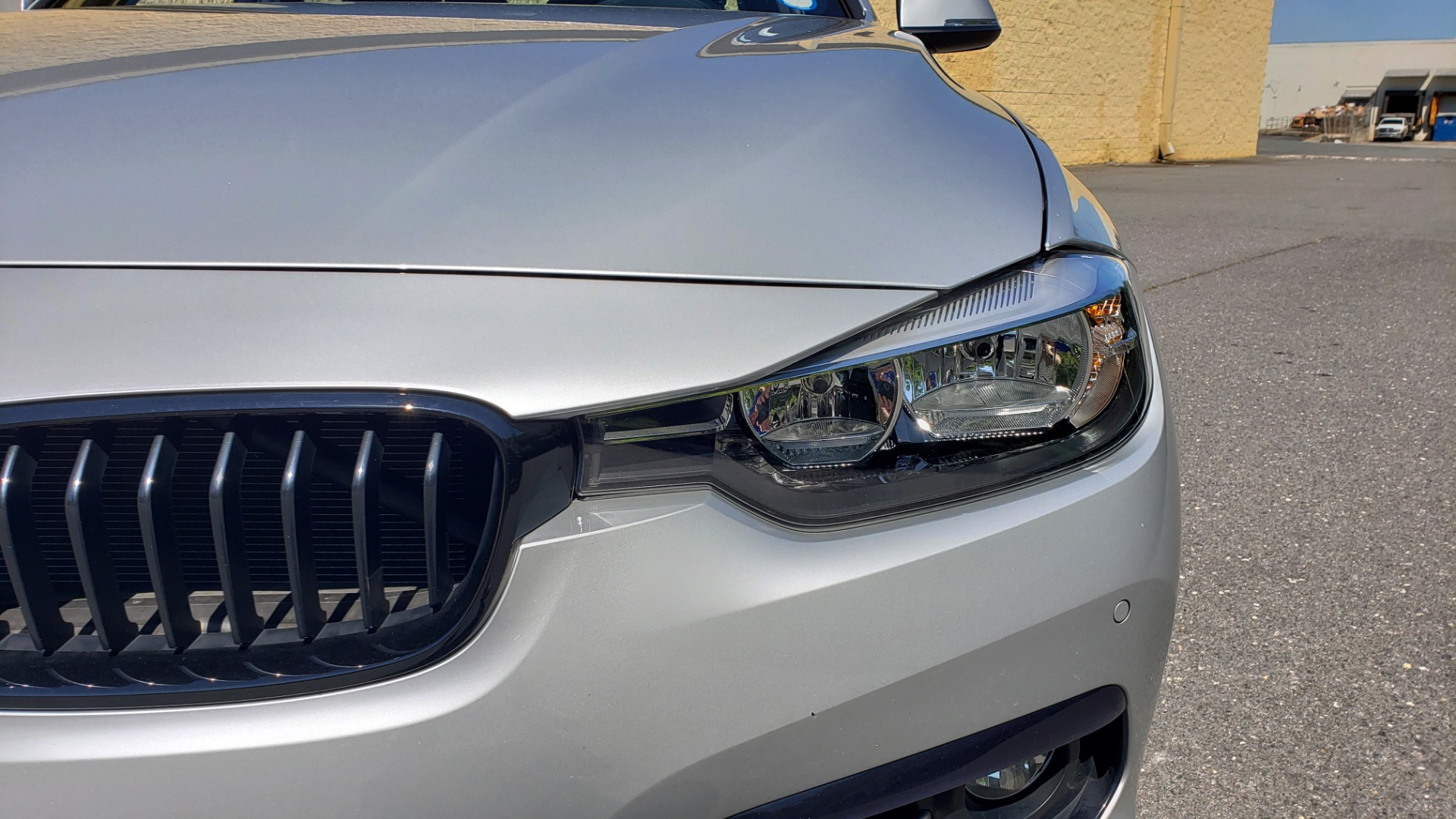 Used 2017 BMW 3 SERIES 330I SPORT SEDAN / DRVR ASST PKG / SUNROOF / REARVIEW for sale $22,695 at Formula Imports in Charlotte NC 28227 21