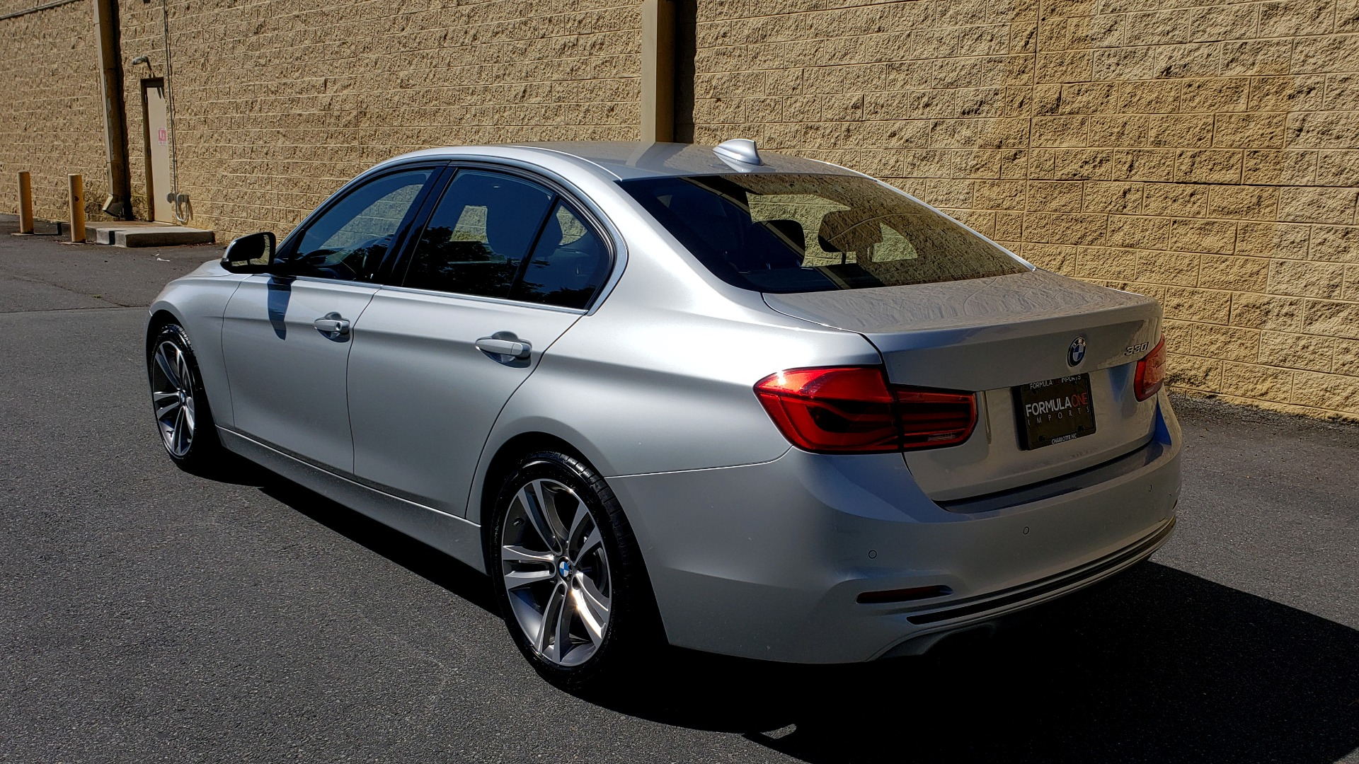 Used 2017 BMW 3 SERIES 330I SPORT SEDAN / DRVR ASST PKG / SUNROOF / REARVIEW for sale $22,695 at Formula Imports in Charlotte NC 28227 3