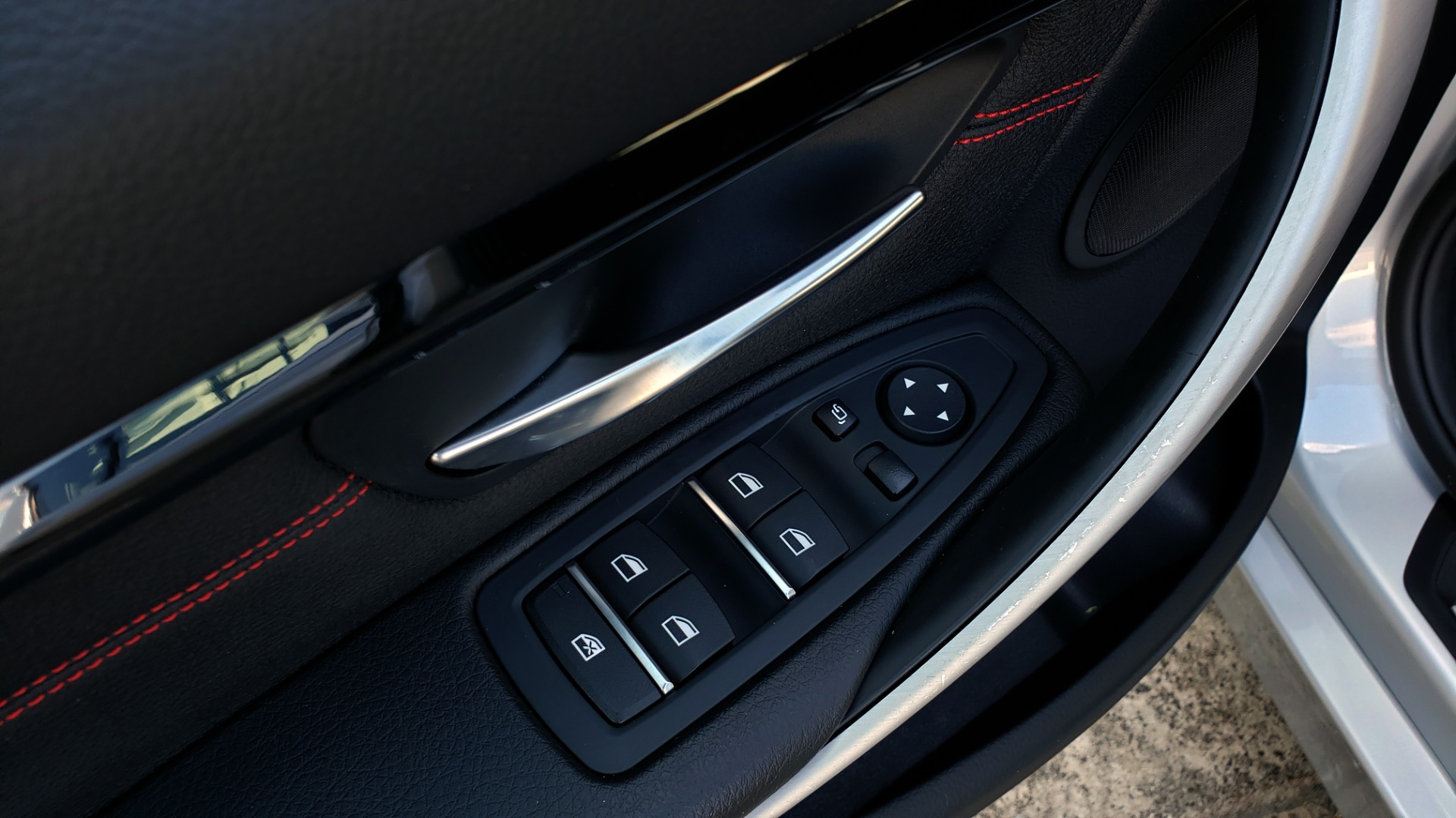 Used 2017 BMW 3 SERIES 330I SPORT SEDAN / DRVR ASST PKG / SUNROOF / REARVIEW for sale Sold at Formula Imports in Charlotte NC 28227 32