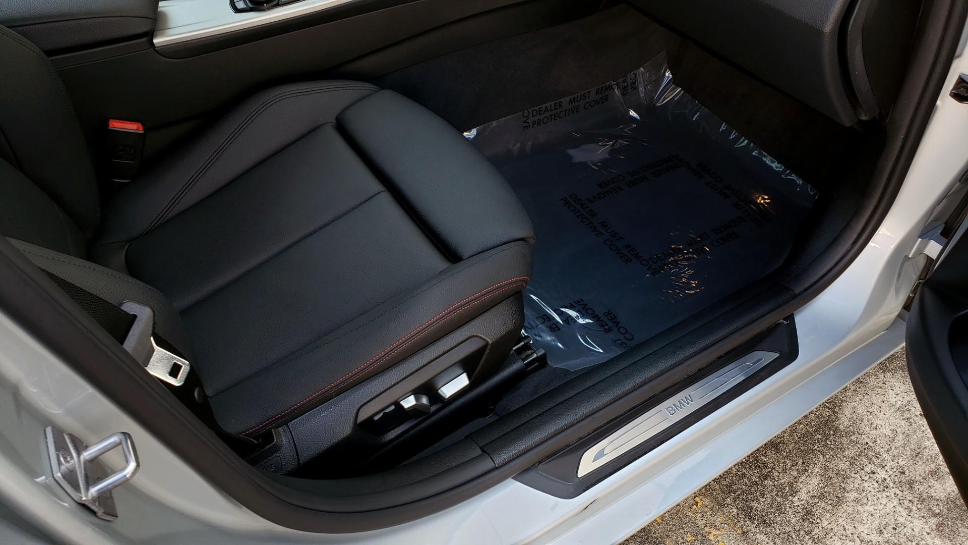 Used 2017 BMW 3 SERIES 330I SPORT SEDAN / DRVR ASST PKG / SUNROOF / REARVIEW for sale Sold at Formula Imports in Charlotte NC 28227 64