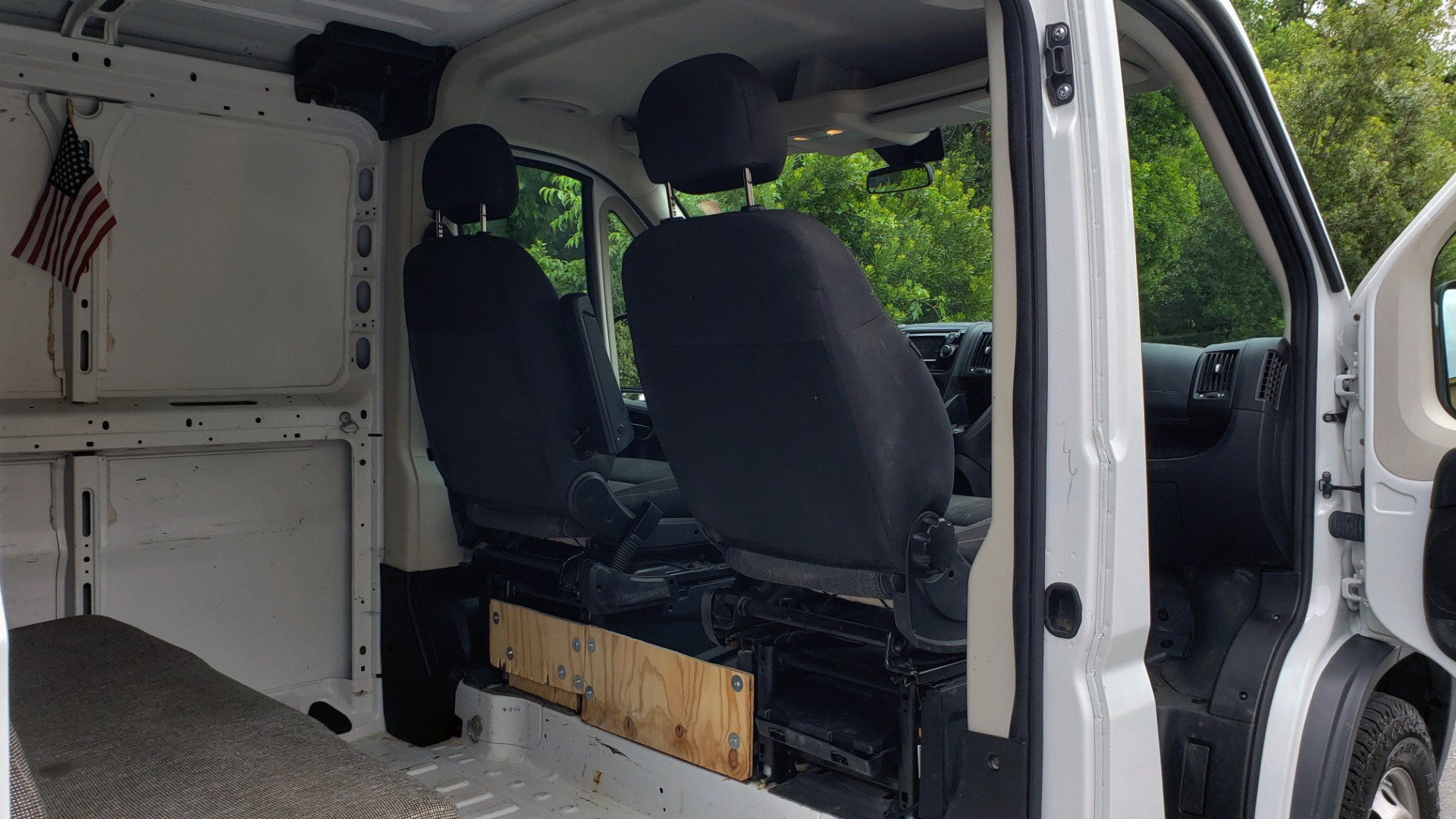 Used 2016 Ram PROMASTER CARGO VAN 136 WB / 3.6L V6 / AUTO / ROOF-RACK / REARVIEW / SEATS 5 for sale $15,995 at Formula Imports in Charlotte NC 28227 14