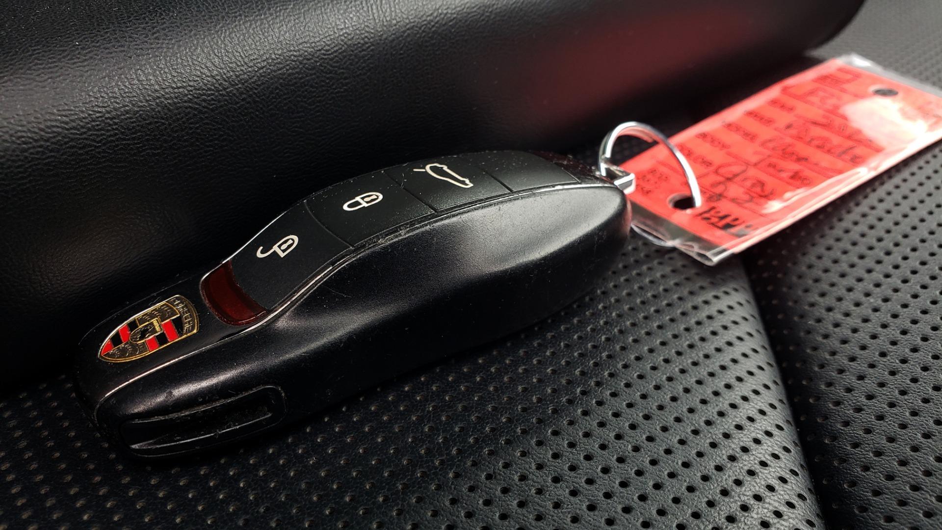 Used 2013 Porsche PANAMERA TURBO 4.8L V8 / AWD / NAV / SUNROOF / LCA / PARK ASST / BURMESTER for sale $45,995 at Formula Imports in Charlotte NC 28227 102