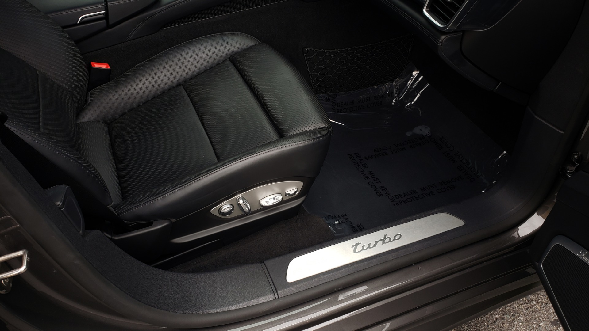 Used 2013 Porsche PANAMERA TURBO 4.8L V8 / AWD / NAV / SUNROOF / LCA / PARK ASST / BURMESTER for sale $45,995 at Formula Imports in Charlotte NC 28227 71
