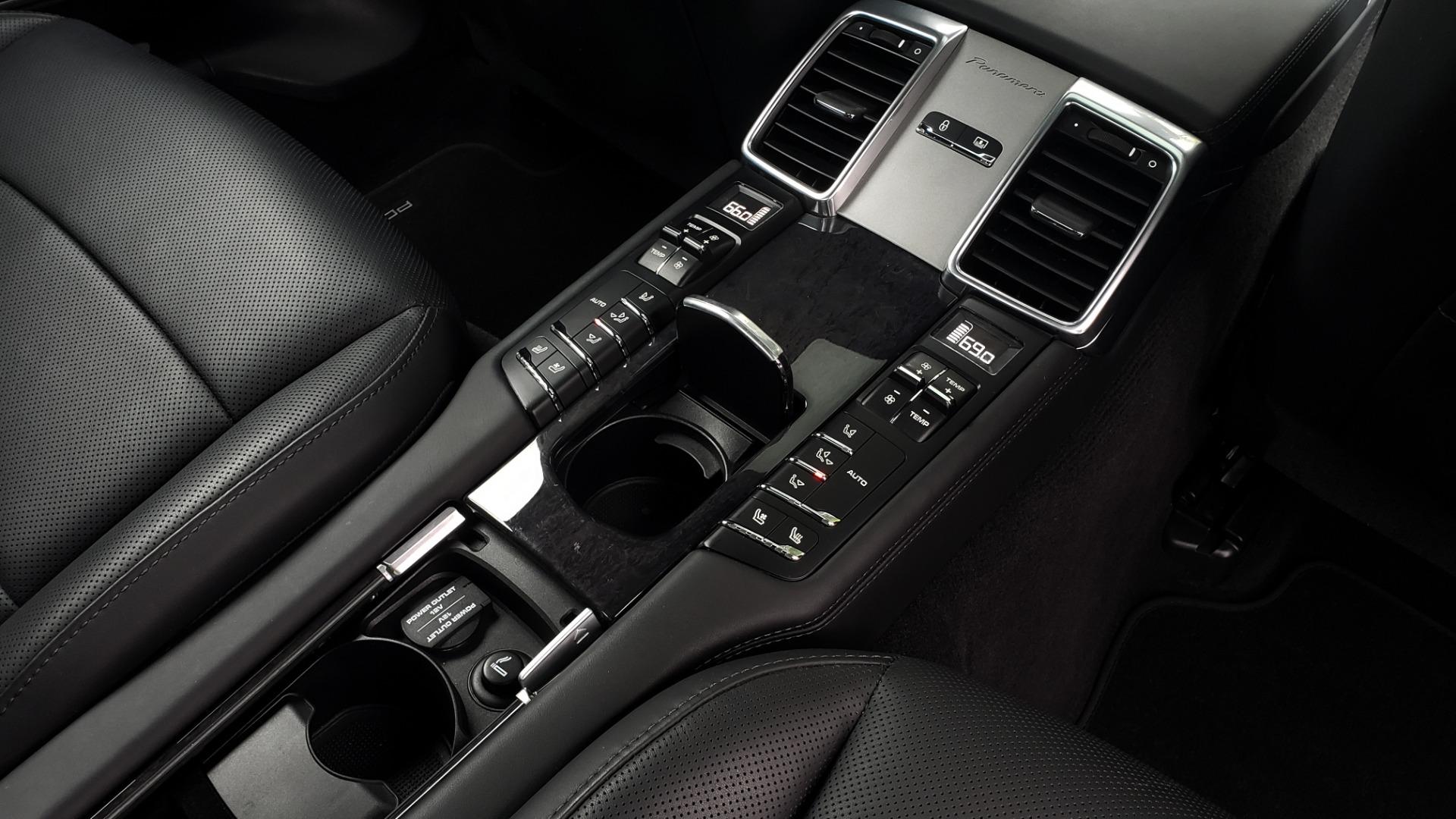 Used 2013 Porsche PANAMERA TURBO 4.8L V8 / AWD / NAV / SUNROOF / LCA / PARK ASST / BURMESTER for sale $45,995 at Formula Imports in Charlotte NC 28227 83