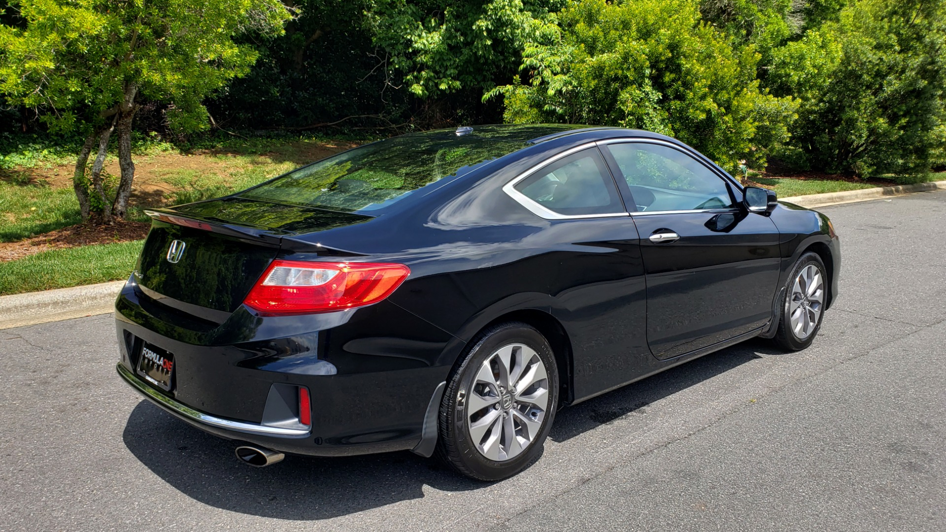 Used 2014 Honda ACCORD COUPE EX-L / 4-CYL / AUTO / SUNROOF / LEATHER / HEATED SEATS for sale Sold at Formula Imports in Charlotte NC 28227 6
