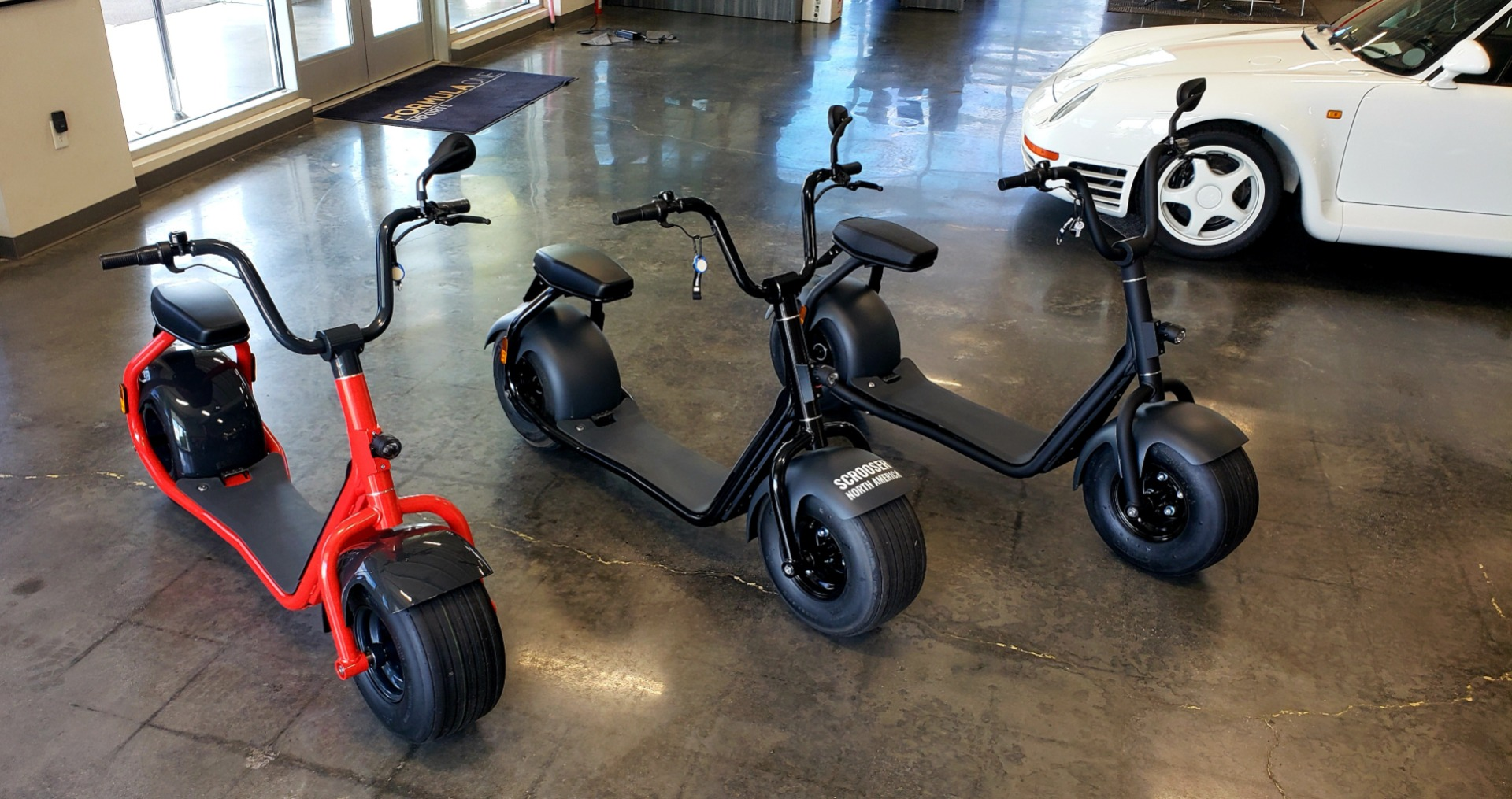 Used 2018 Scrooser ELECTRIC SCOOTER SELF BALANCED / 15.5 MPH / 34MI RANGE - CHOOSE YOUR COLOR for sale Sold at Formula Imports in Charlotte NC 28227 2