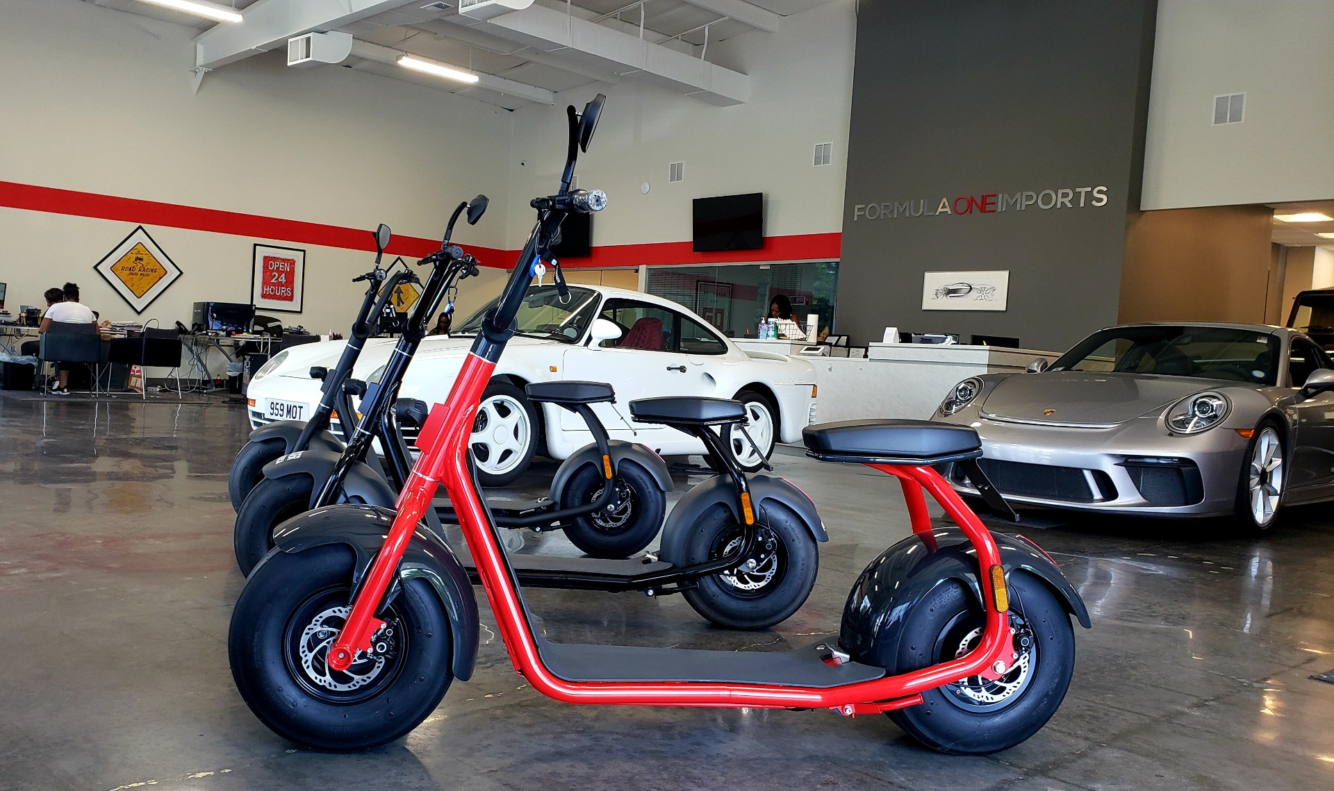 Used 2018 Scrooser ELECTRIC SCOOTER SELF BALANCED / 15.5 MPH / 34MI RANGE - CHOOSE YOUR COLOR for sale Sold at Formula Imports in Charlotte NC 28227 3