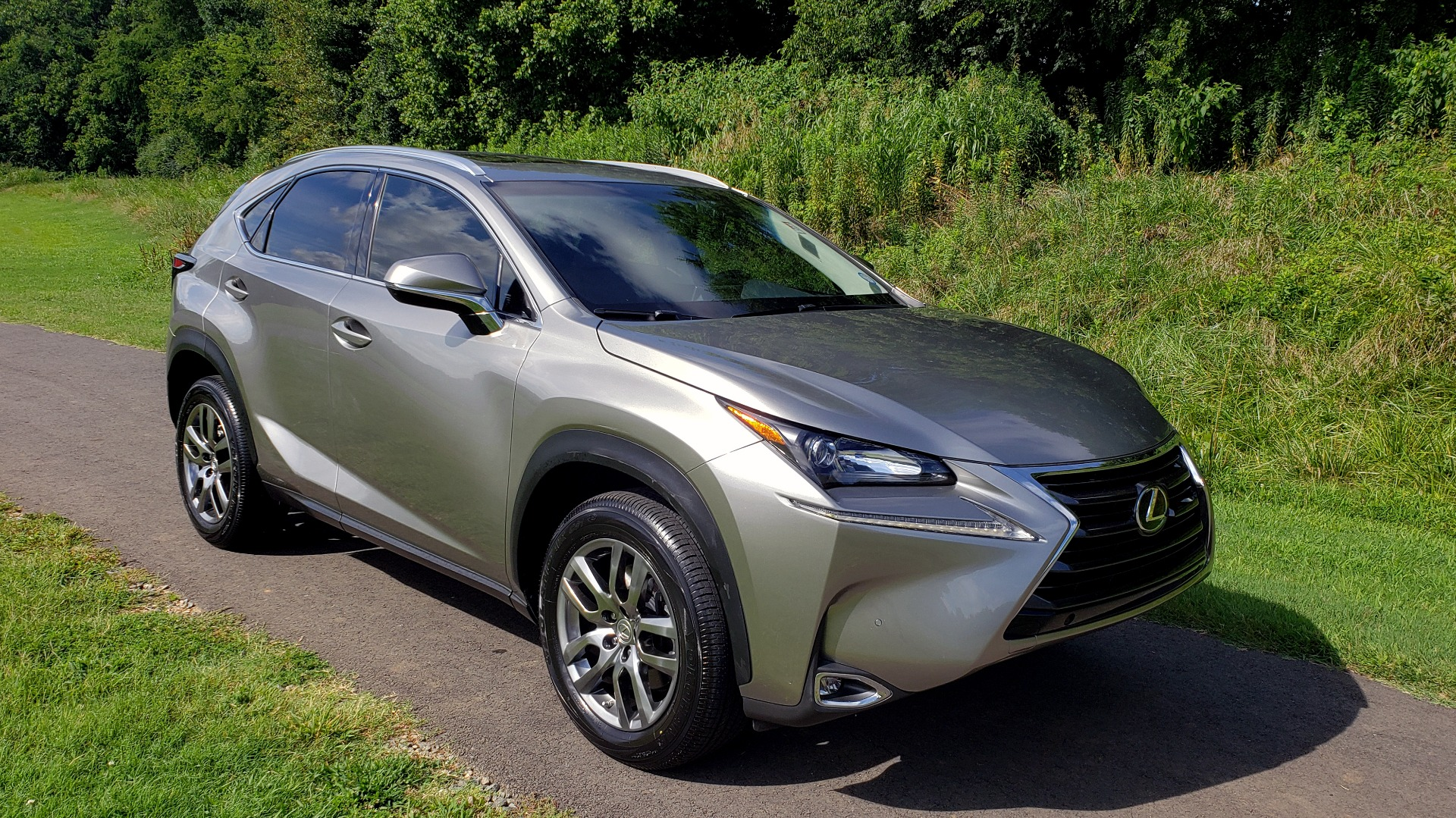 Used 2016 Lexus NX 200T FWD / PREMIUM PKG / SUNROOF / BSM / REARVIEW for sale Sold at Formula Imports in Charlotte NC 28227 4