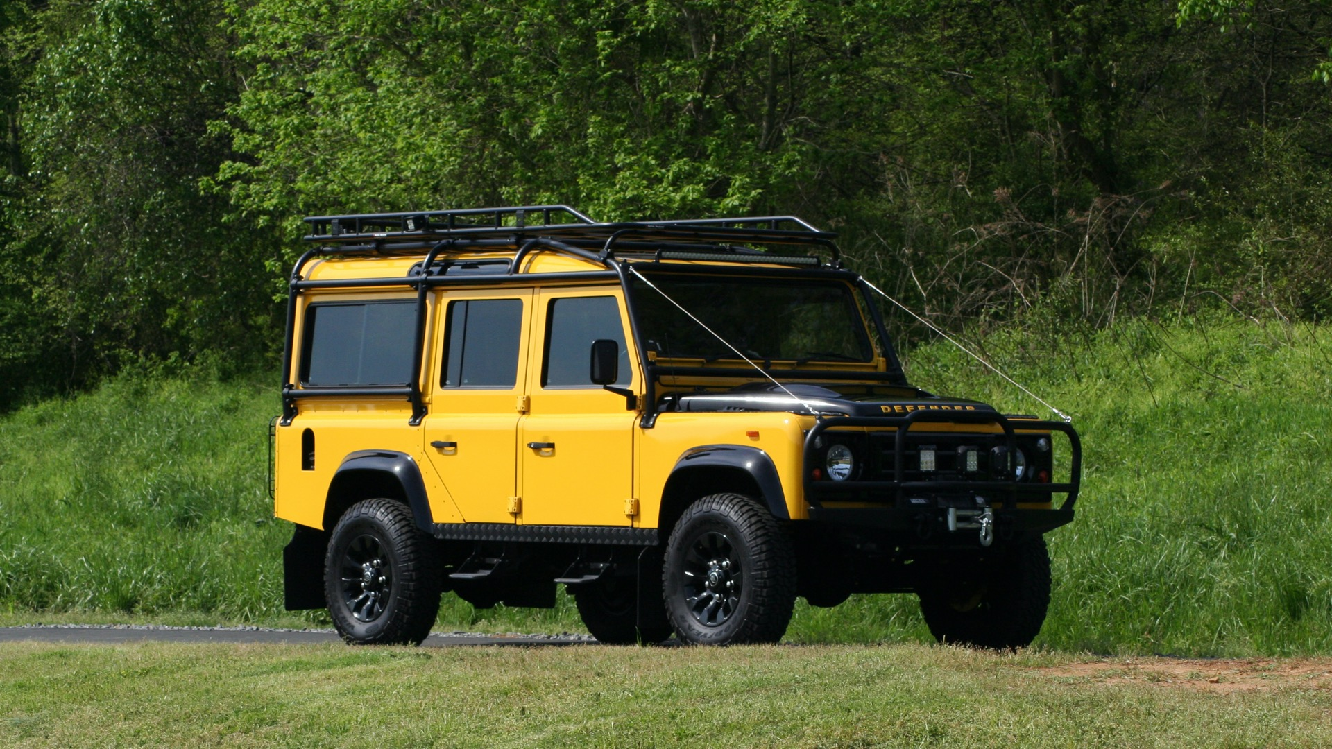 Used 1989 Land Rover Defender 110 4x4 Custom / Fully Restored / Fuel Injected V8 / 5-Spd Man for sale $60,000 at Formula Imports in Charlotte NC 28227 17