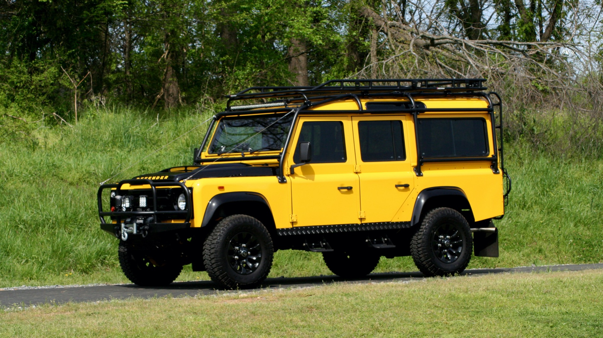 Used 1989 Land Rover Defender 110 4x4 Custom / Fully Restored / Fuel Injected V8 / 5-Spd Man for sale $60,000 at Formula Imports in Charlotte NC 28227 2