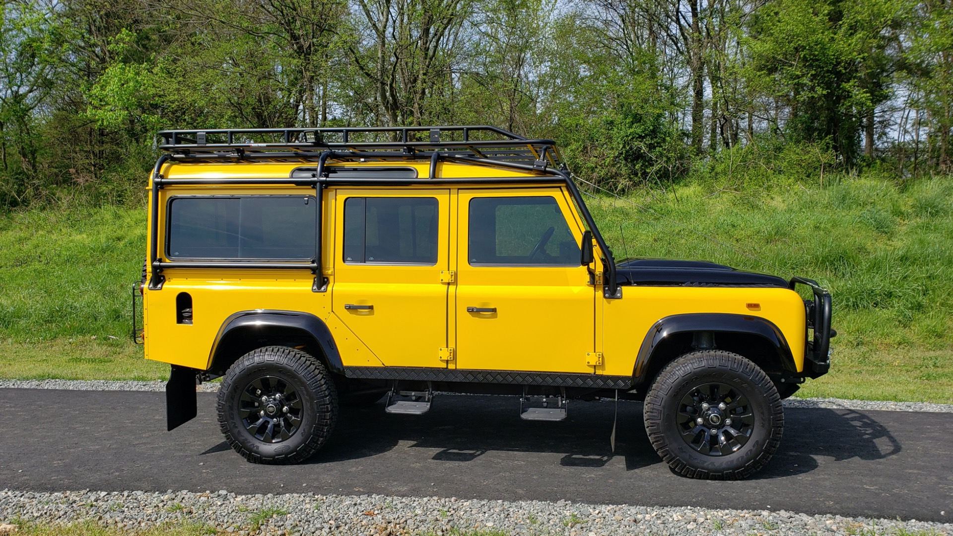 Used 1989 Land Rover Defender 110 4x4 Custom / Fully Restored / Fuel Injected V8 / 5-Spd Man for sale $60,000 at Formula Imports in Charlotte NC 28227 21