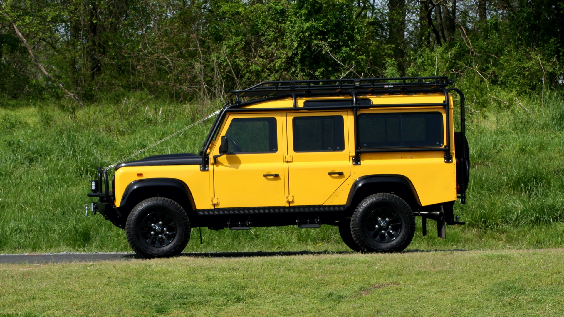 Used 1989 Land Rover Defender 110 4x4 Custom / Fully Restored / Fuel Injected V8 / 5-Spd Man for sale $60,000 at Formula Imports in Charlotte NC 28227 3
