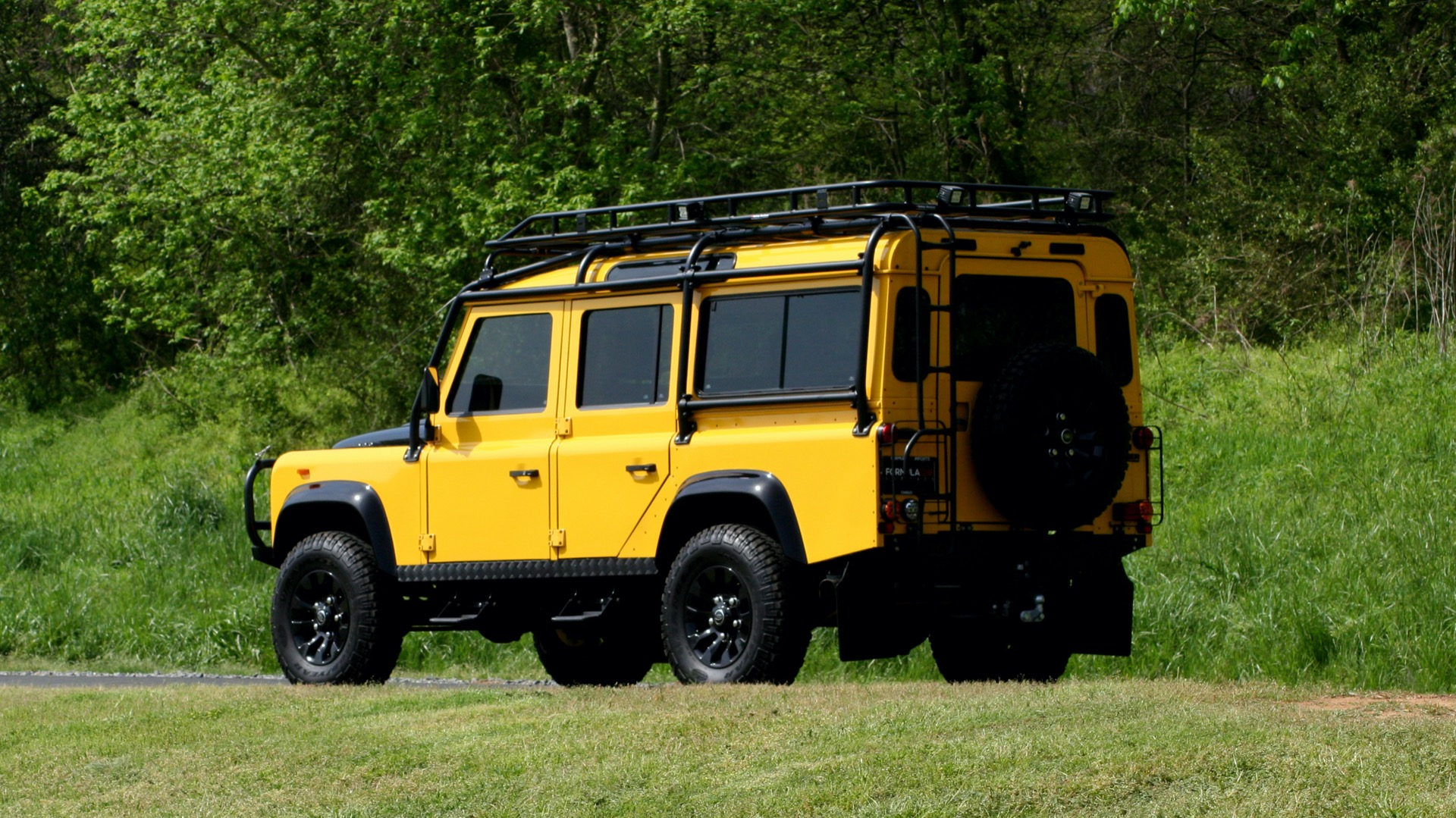 Used 1989 Land Rover Defender 110 4x4 Custom / Fully Restored / Fuel Injected V8 / 5-Spd Man for sale $60,000 at Formula Imports in Charlotte NC 28227 6