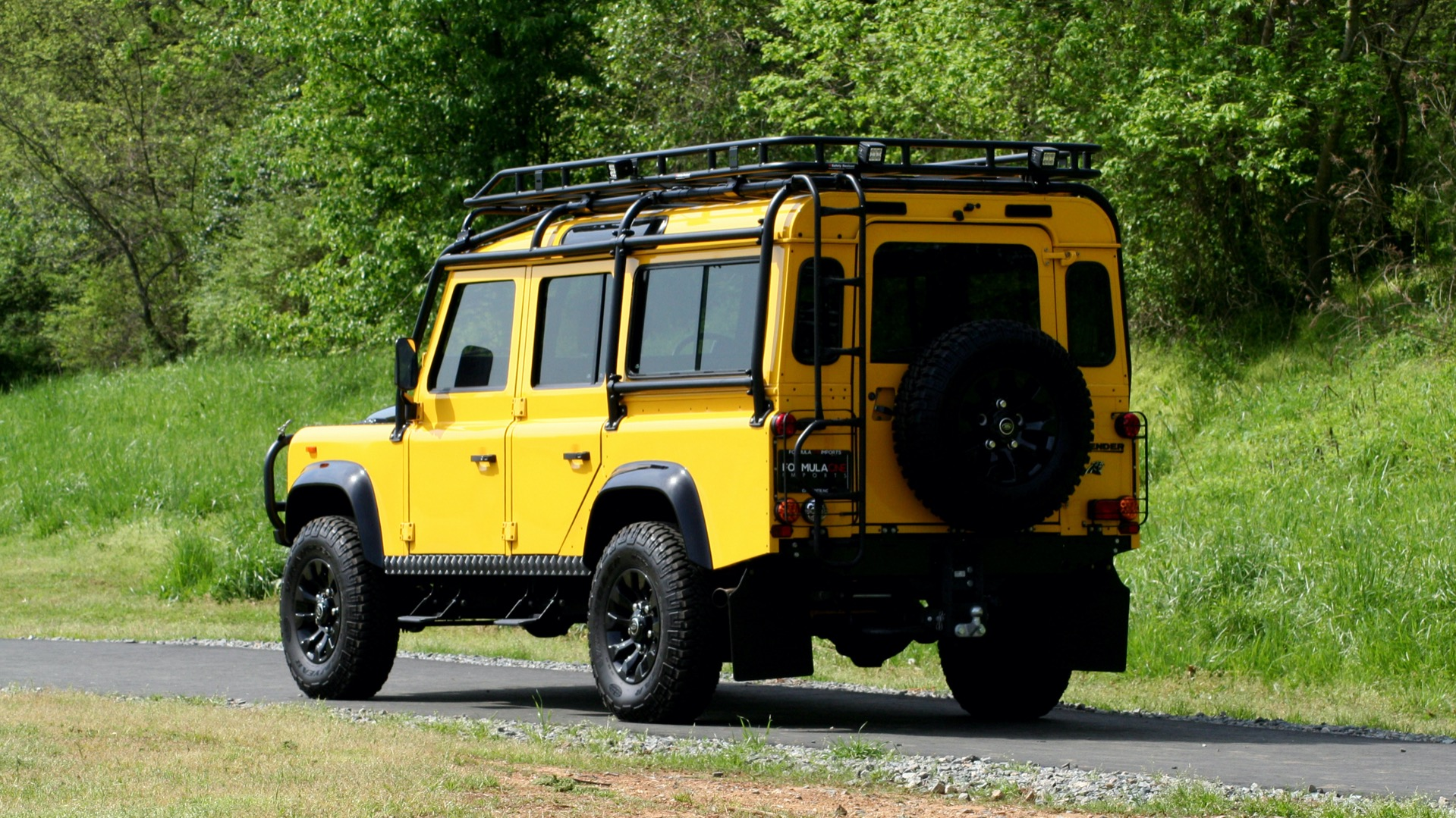Used 1989 Land Rover Defender 110 4x4 Custom / Fully Restored / Fuel Injected V8 / 5-Spd Man for sale $60,000 at Formula Imports in Charlotte NC 28227 7