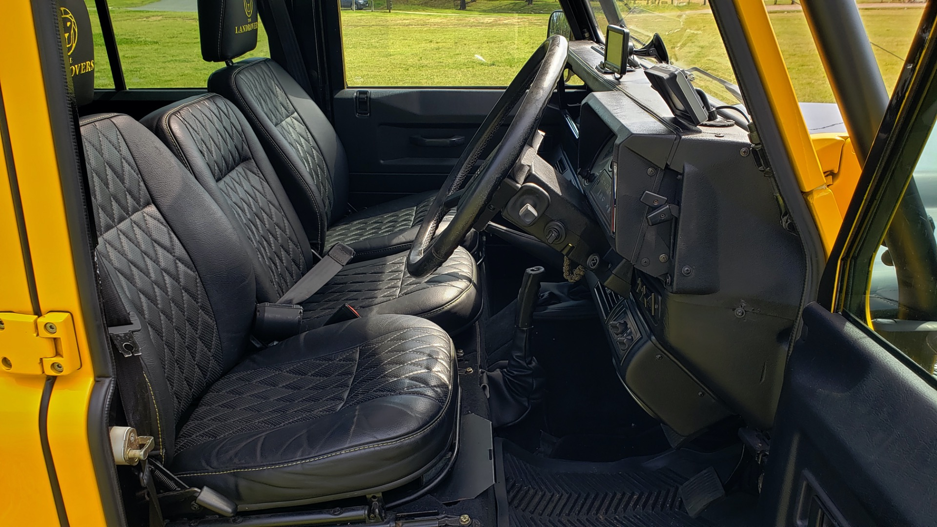 Used 1989 Land Rover Defender 110 4x4 Custom / Fully Restored / Fuel Injected V8 / 5-Spd Man for sale $60,000 at Formula Imports in Charlotte NC 28227 85