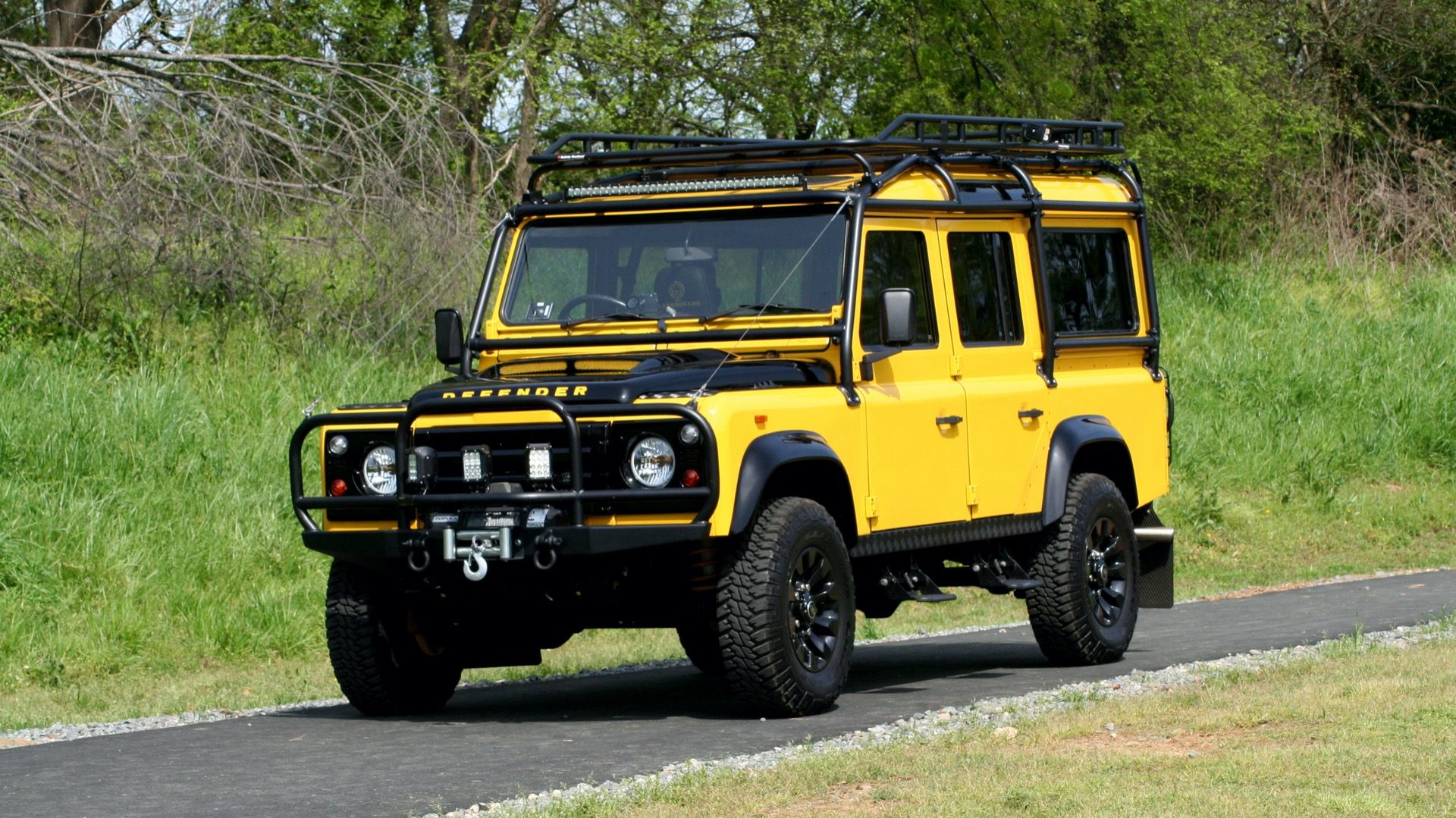 Used 1989 Land Rover Defender 110 4x4 Custom / Fully Restored / Fuel Injected V8 / 5-Spd Man for sale $60,000 at Formula Imports in Charlotte NC 28227 1