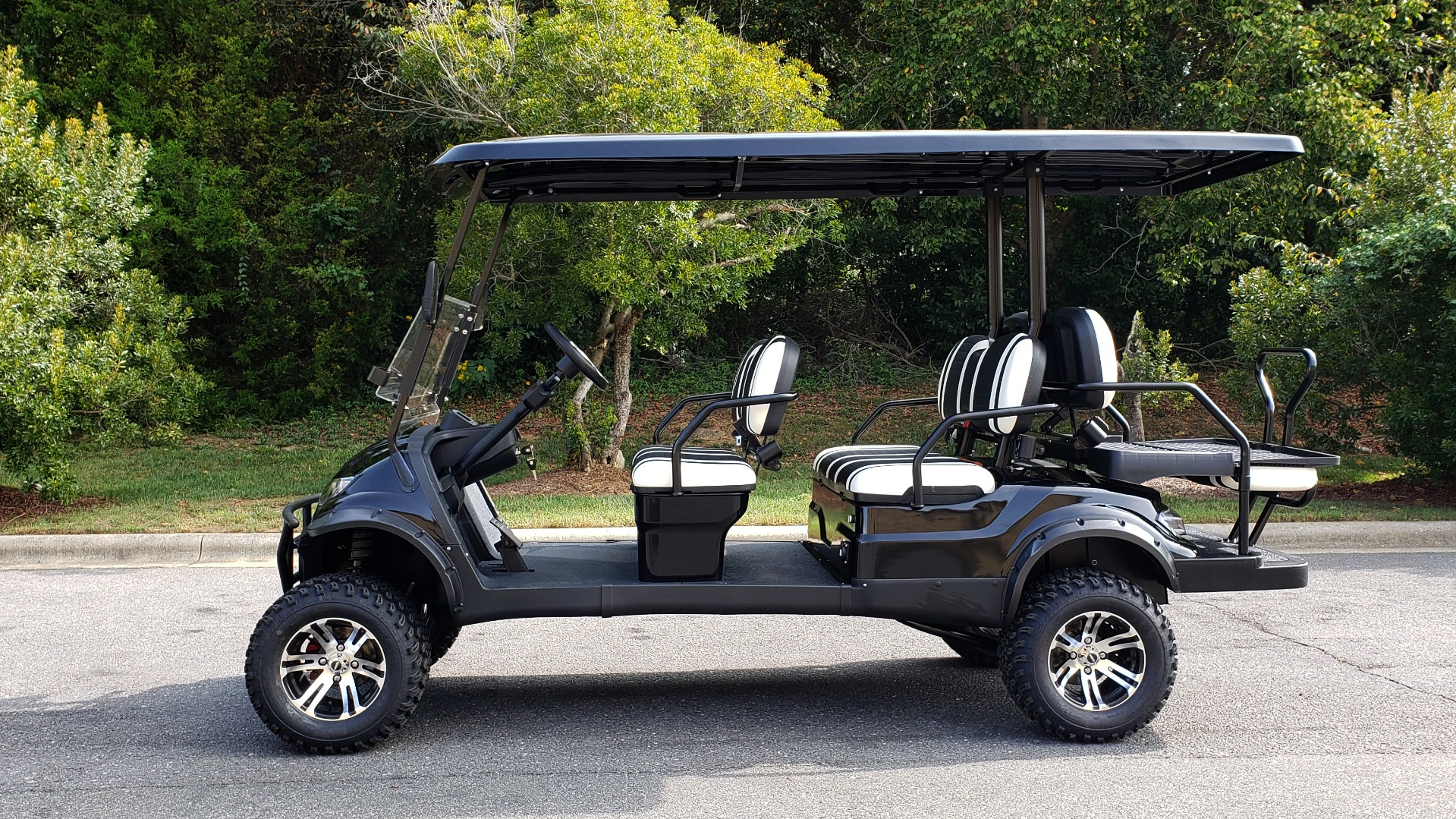 Used 2020 ICON I60L ELECTRIC CAR / 3-ROW / 6-PASSENGER / LIFTED / 28MPH / NEW for sale $10,995 at Formula Imports in Charlotte NC 28227 2