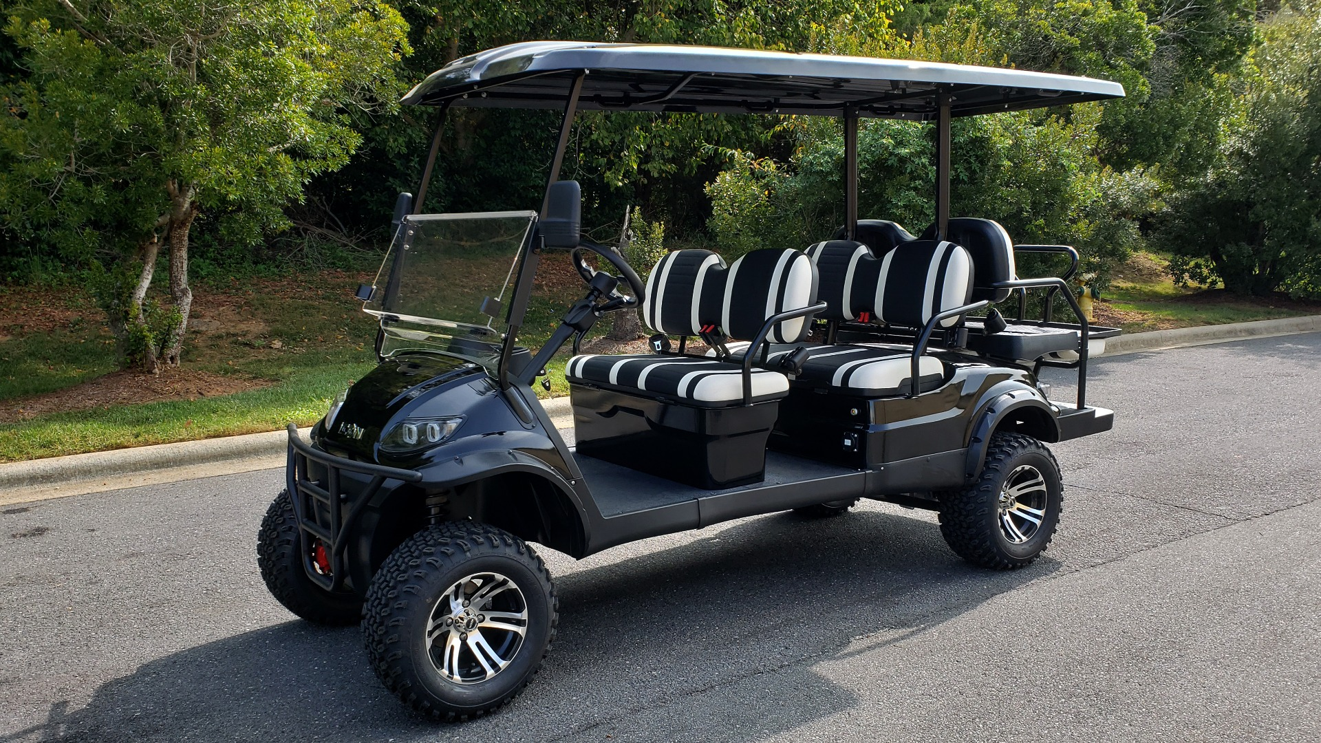 Used 2020 ICON I60L ELECTRIC CAR / 3-ROW / 6-PASSENGER / LIFTED / 28MPH / NEW for sale $10,995 at Formula Imports in Charlotte NC 28227 1