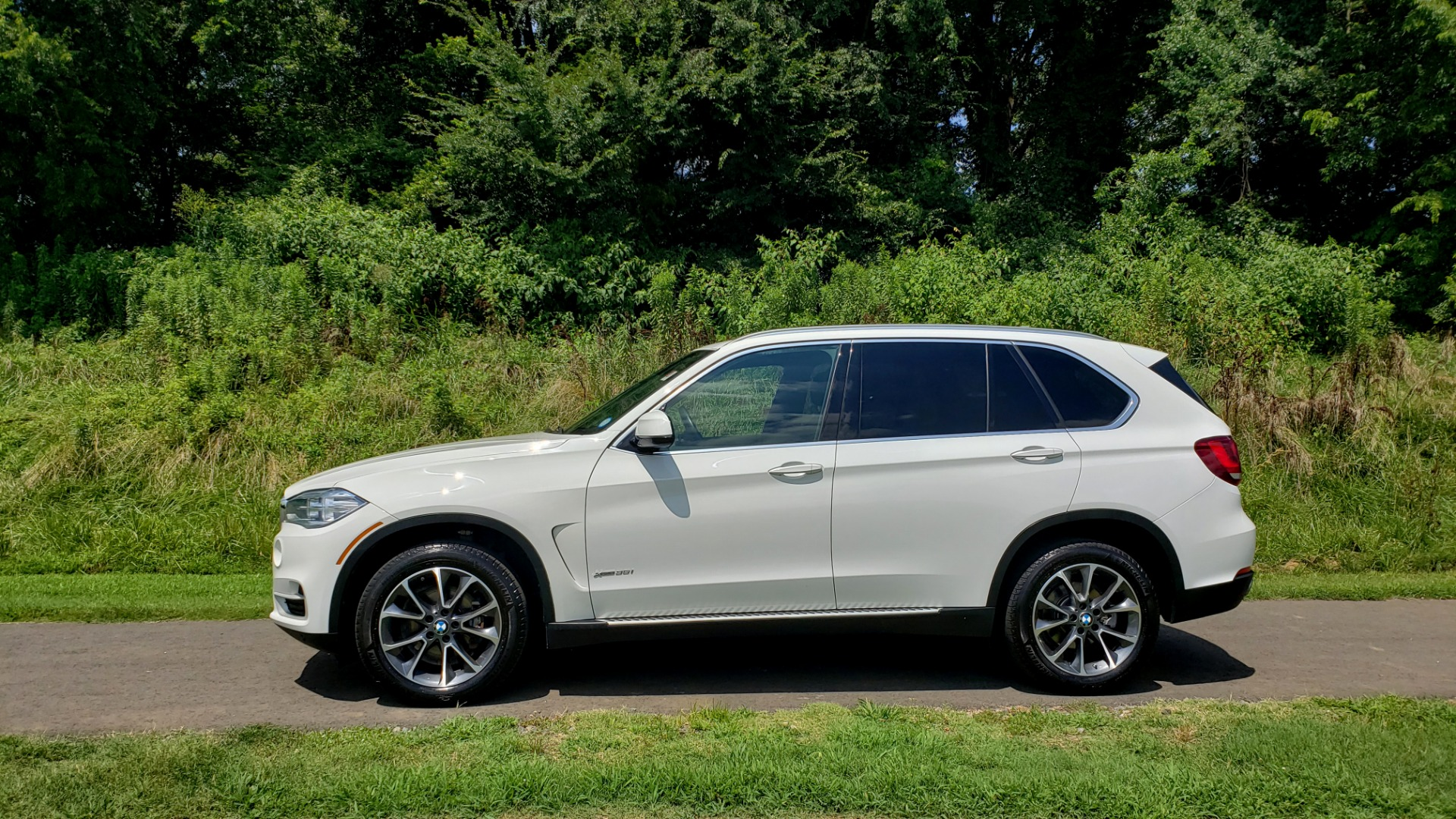Used 2017 BMW X5 XDRIVE35I / NAV / SUNROOF / RUNNING BOARDS / REARVIEW for sale $33,995 at Formula Imports in Charlotte NC 28227 2