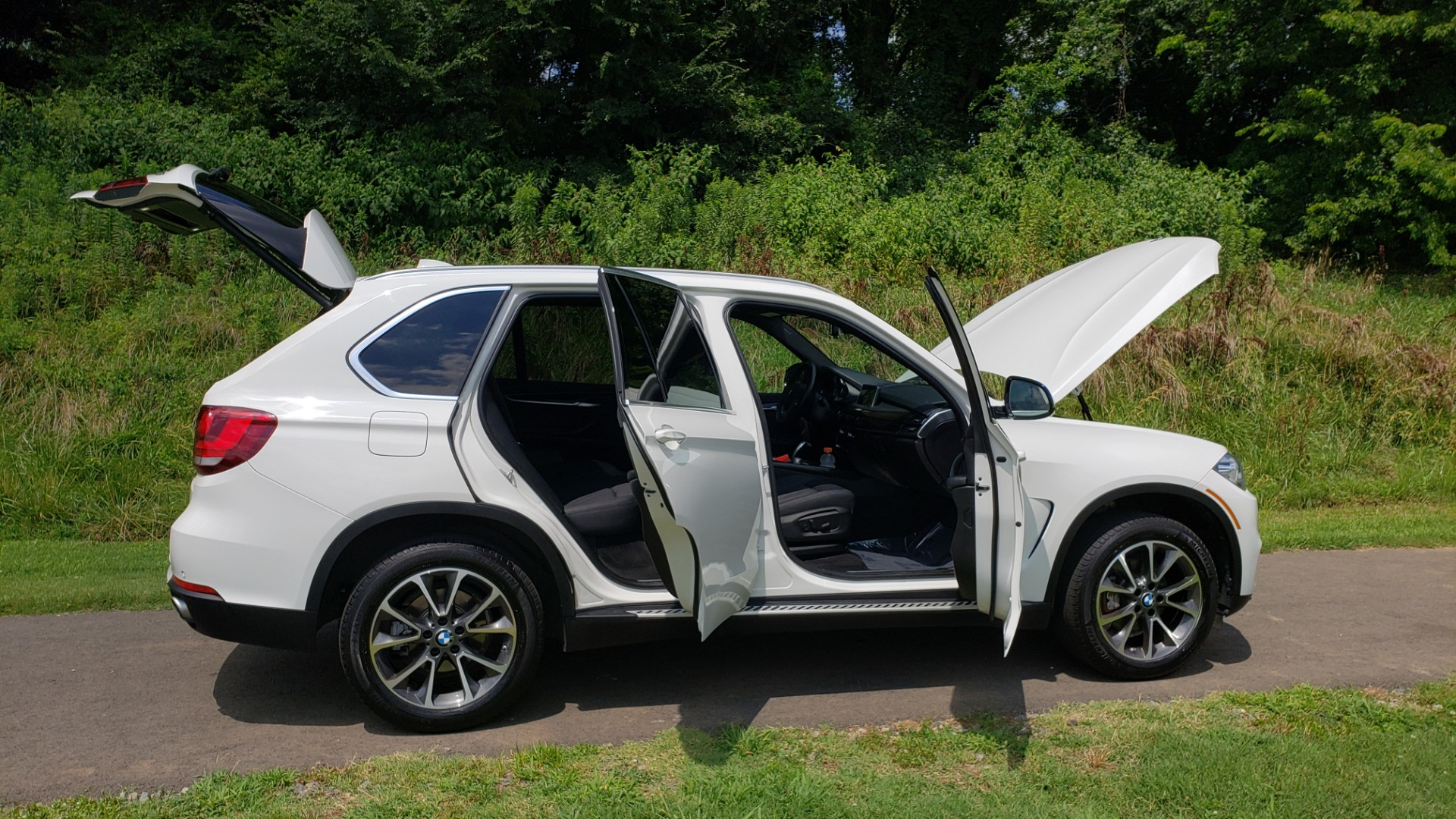 Used 2017 BMW X5 XDRIVE35I / NAV / SUNROOF / RUNNING BOARDS / REARVIEW for sale $33,995 at Formula Imports in Charlotte NC 28227 21