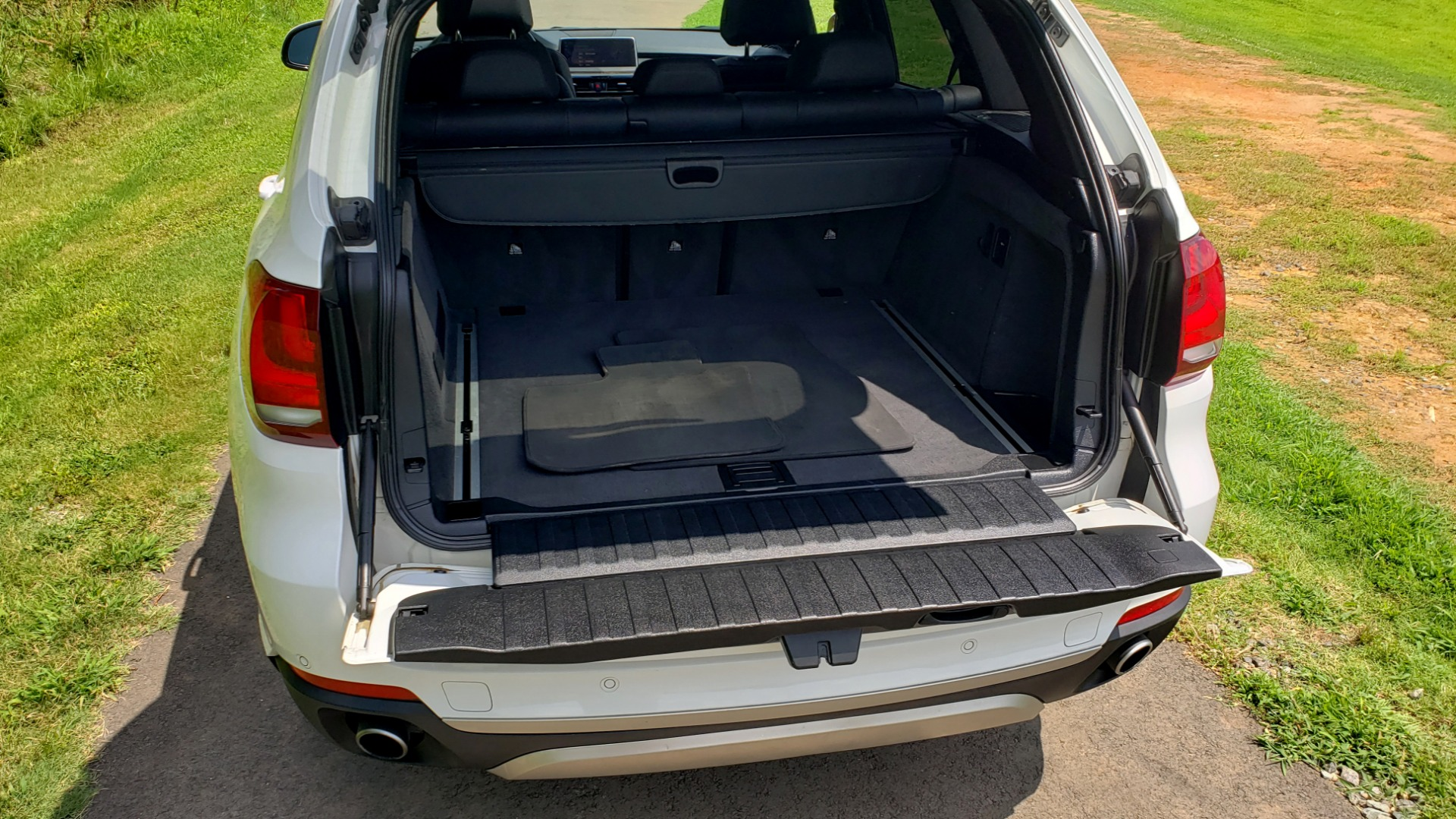 Used 2017 BMW X5 XDRIVE35I / NAV / SUNROOF / RUNNING BOARDS / REARVIEW for sale $33,995 at Formula Imports in Charlotte NC 28227 25