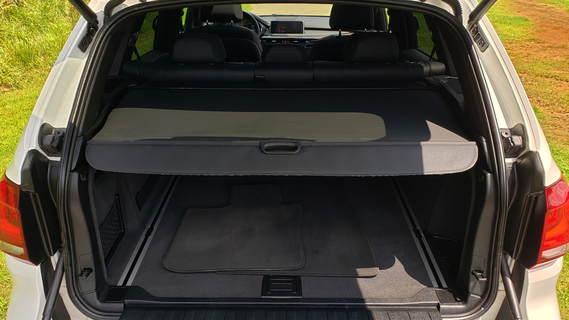 Used 2017 BMW X5 XDRIVE35I / NAV / SUNROOF / RUNNING BOARDS / REARVIEW for sale $33,995 at Formula Imports in Charlotte NC 28227 26