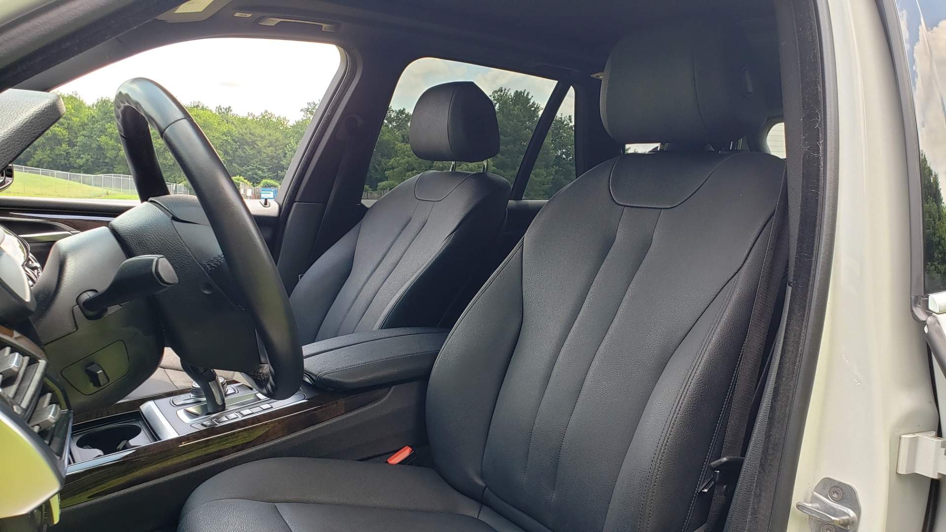 Used 2017 BMW X5 XDRIVE35I / NAV / SUNROOF / RUNNING BOARDS / REARVIEW for sale $33,995 at Formula Imports in Charlotte NC 28227 40