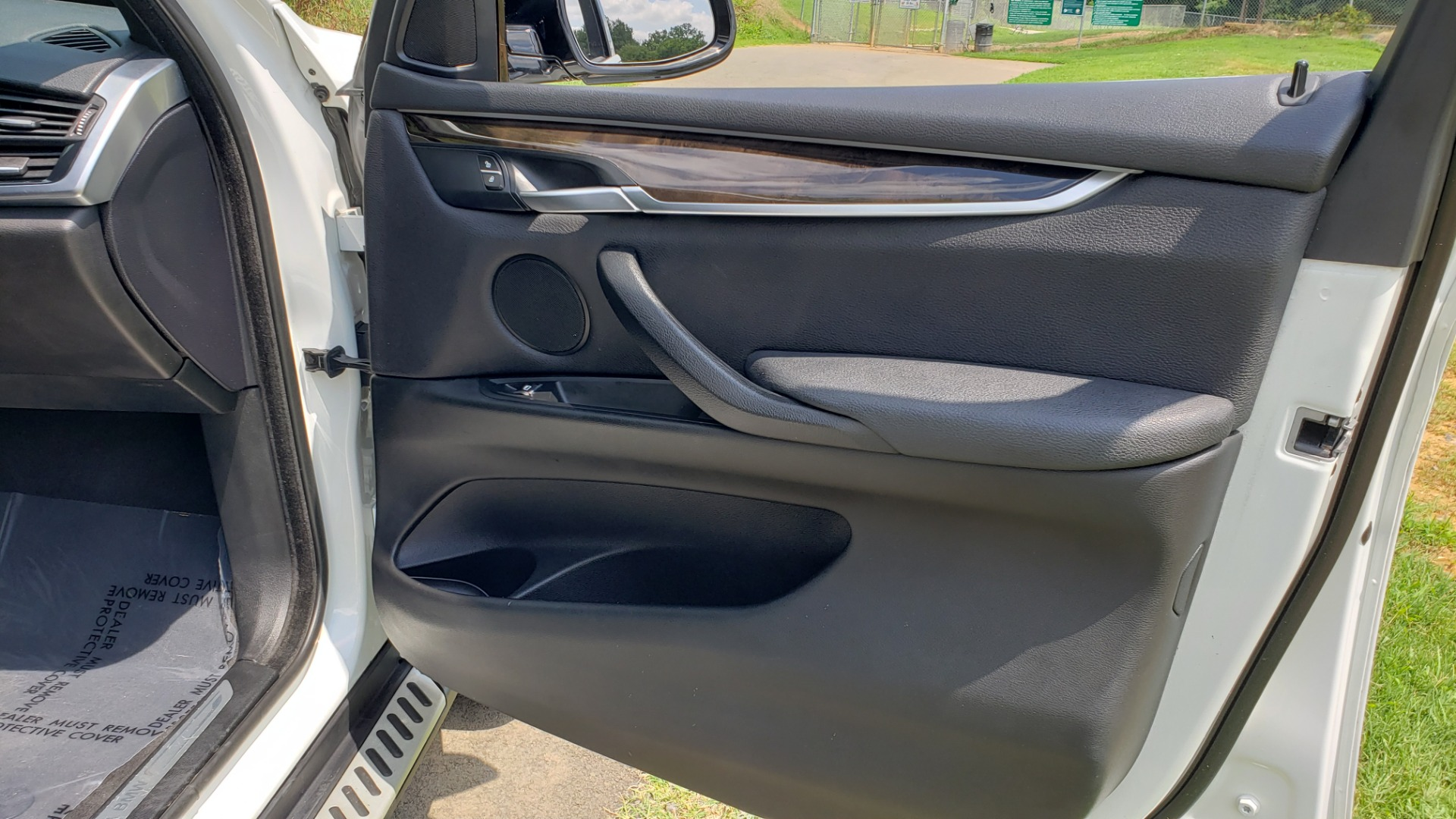 Used 2017 BMW X5 XDRIVE35I / NAV / SUNROOF / RUNNING BOARDS / REARVIEW for sale $33,995 at Formula Imports in Charlotte NC 28227 69