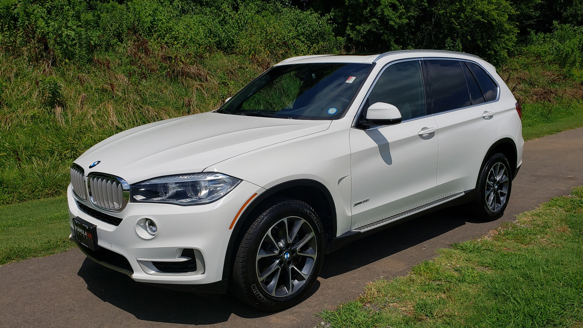 Used 2017 BMW X5 XDRIVE35I / NAV / SUNROOF / RUNNING BOARDS / REARVIEW for sale $33,995 at Formula Imports in Charlotte NC 28227 1