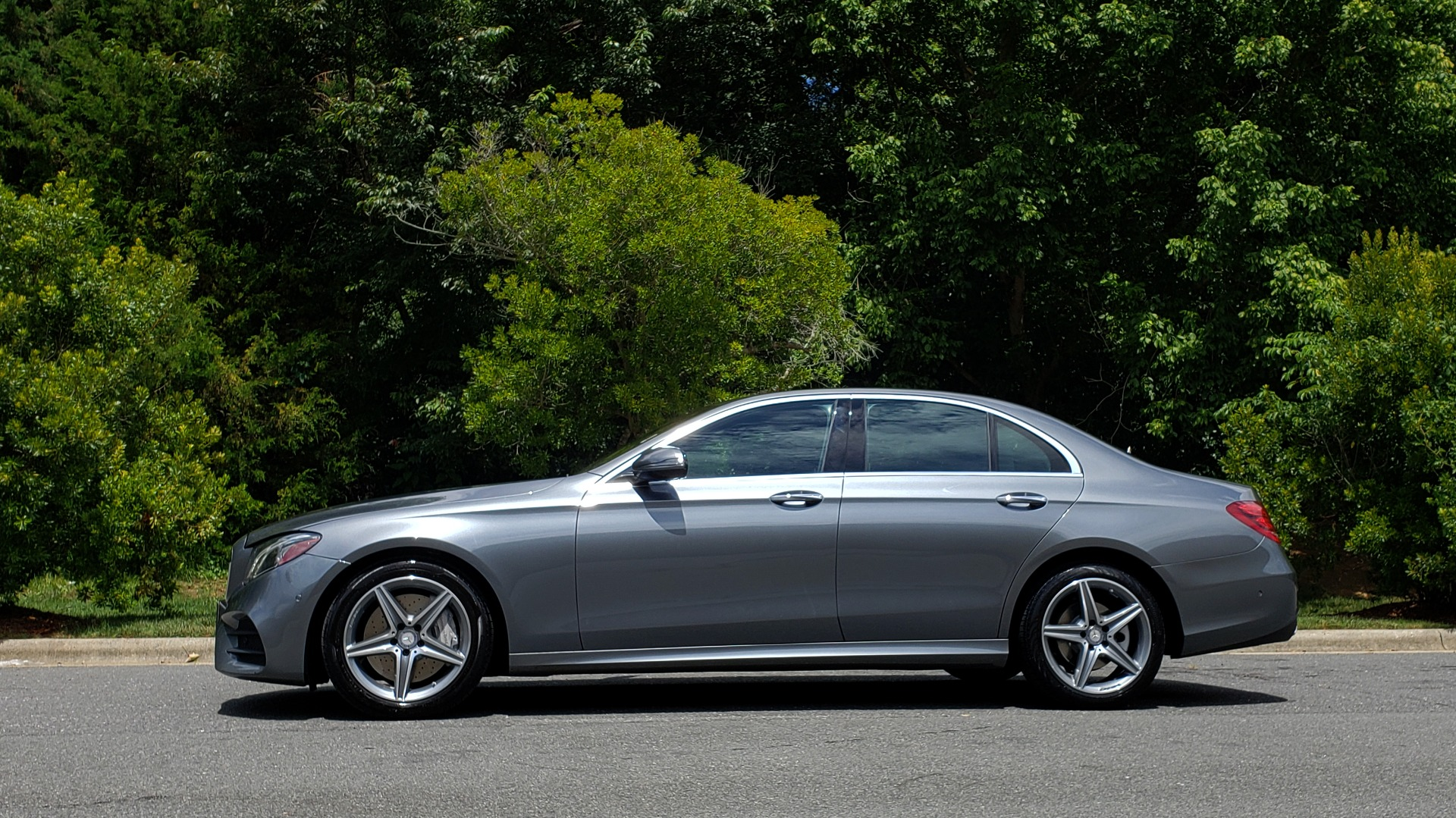 Used 2017 Mercedes-Benz E-Class E 300 4MATIC PREMIUM / SPORT / NAV / BURMESTER / HTD STS / REARVIEW for sale $30,495 at Formula Imports in Charlotte NC 28227 2