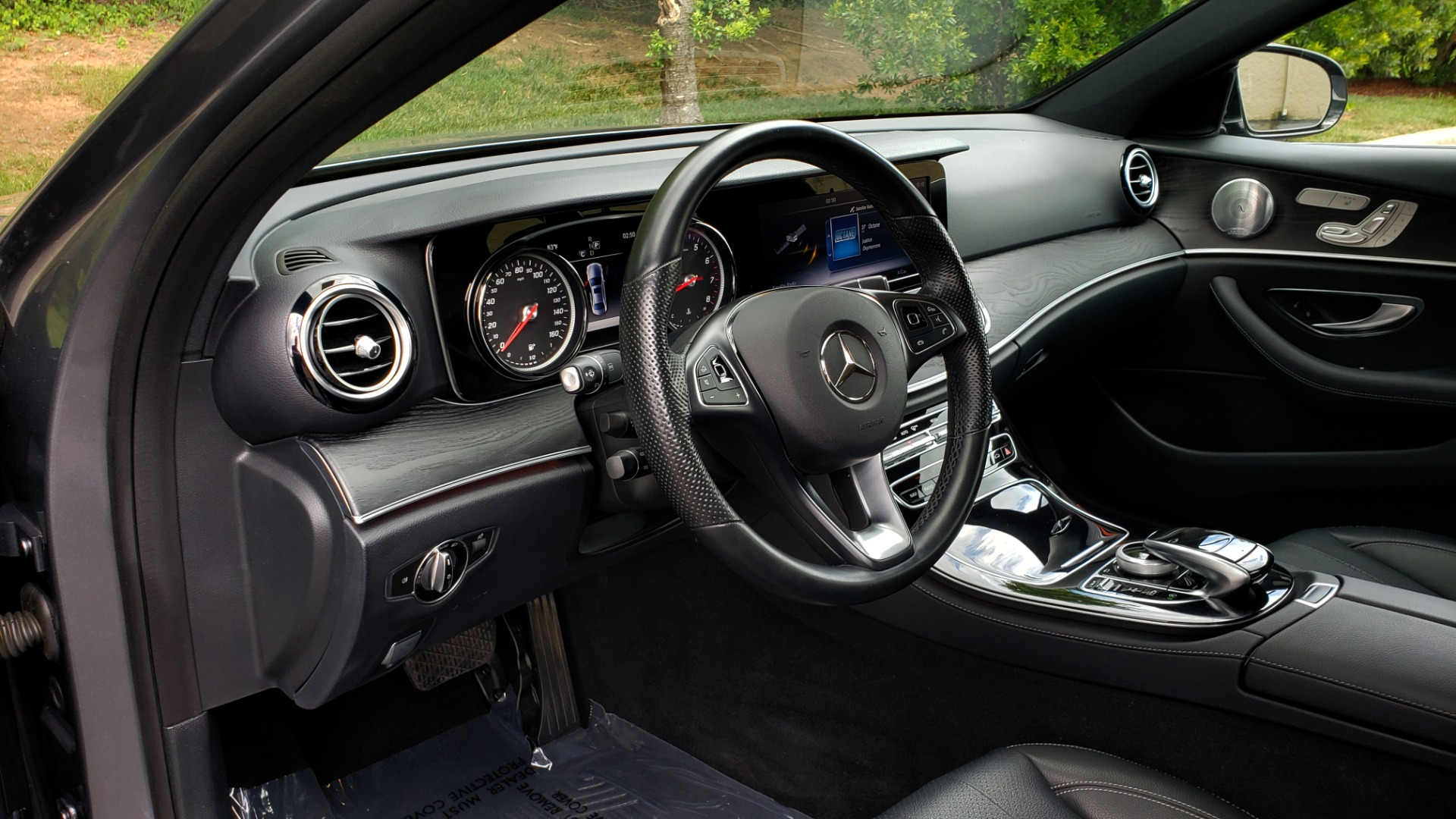 Used 2017 Mercedes-Benz E-CLASS E 300 SPORT 4MATIC / PREM PKG / NAV / SUNROOF / BURMESTER SND / REARVIEW for sale Sold at Formula Imports in Charlotte NC 28227 34