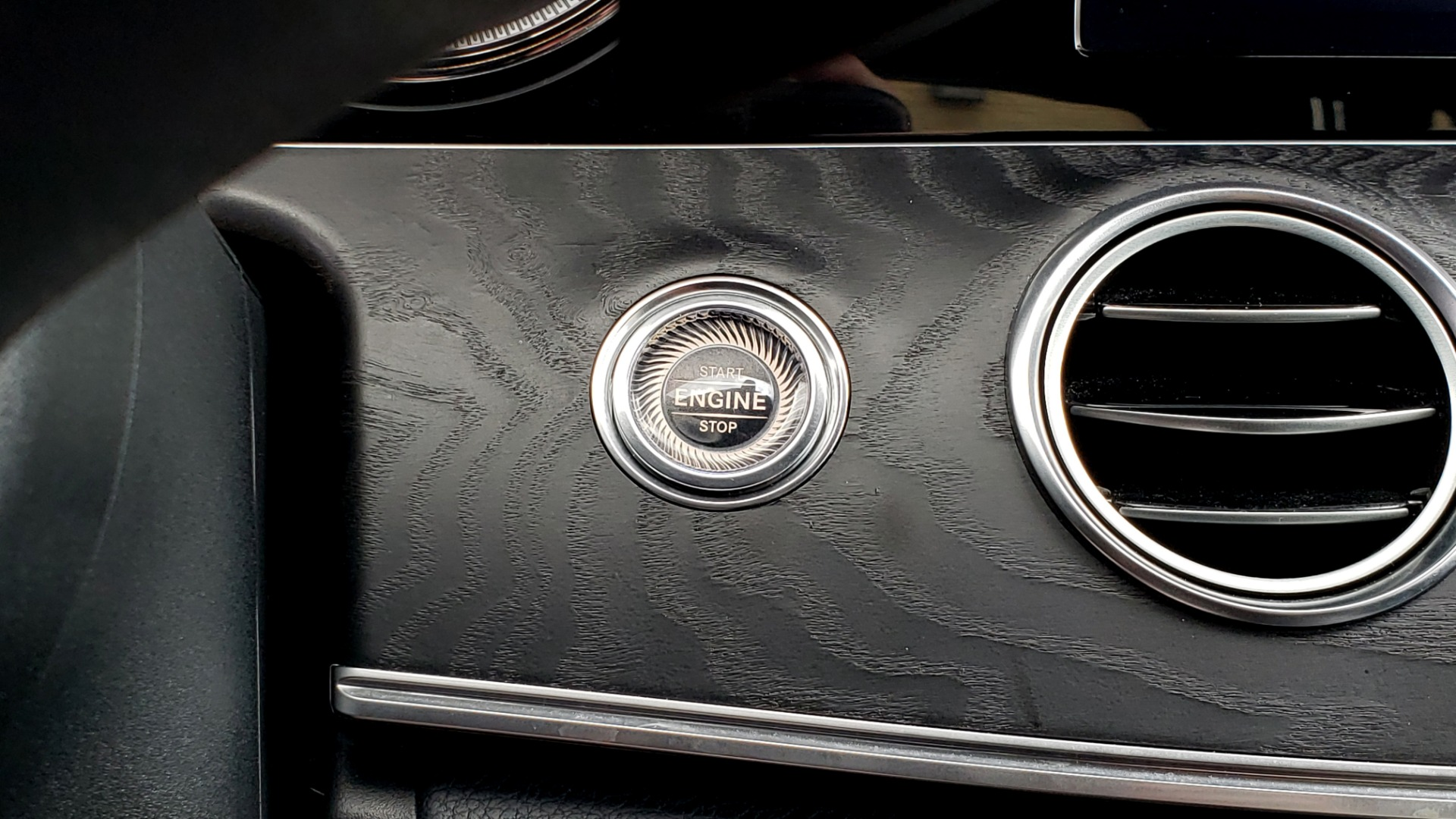 Used 2017 Mercedes-Benz E-Class E 300 Luxury for sale $29,995 at Formula Imports in Charlotte NC 28227 39