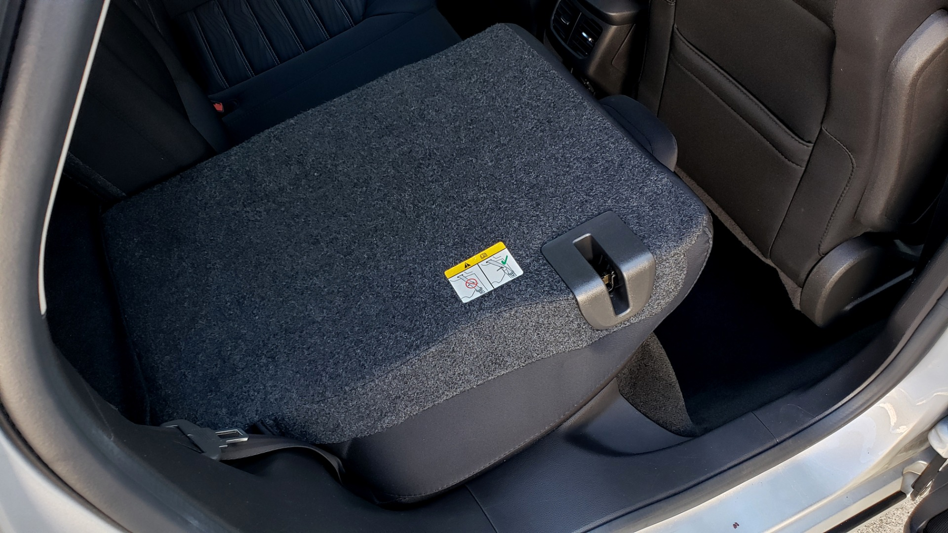Used 2016 Ford FUSION SE SEDAN / 4-CYL / 6-SPD AUTO / CLOTH SEATS / REARVIEW for sale Sold at Formula Imports in Charlotte NC 28227 52