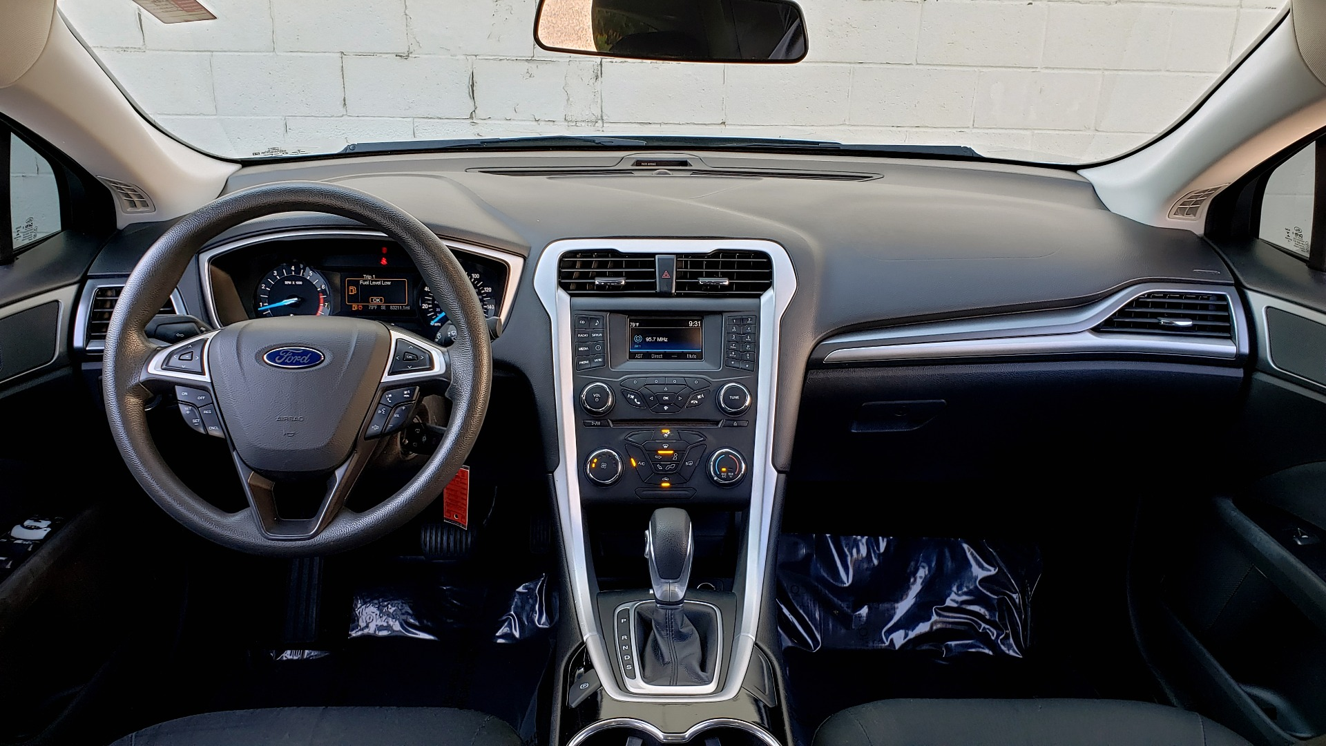 Used 2016 Ford FUSION SE SEDAN / 4-CYL / 6-SPD AUTO / CLOTH SEATS / REARVIEW for sale Sold at Formula Imports in Charlotte NC 28227 55