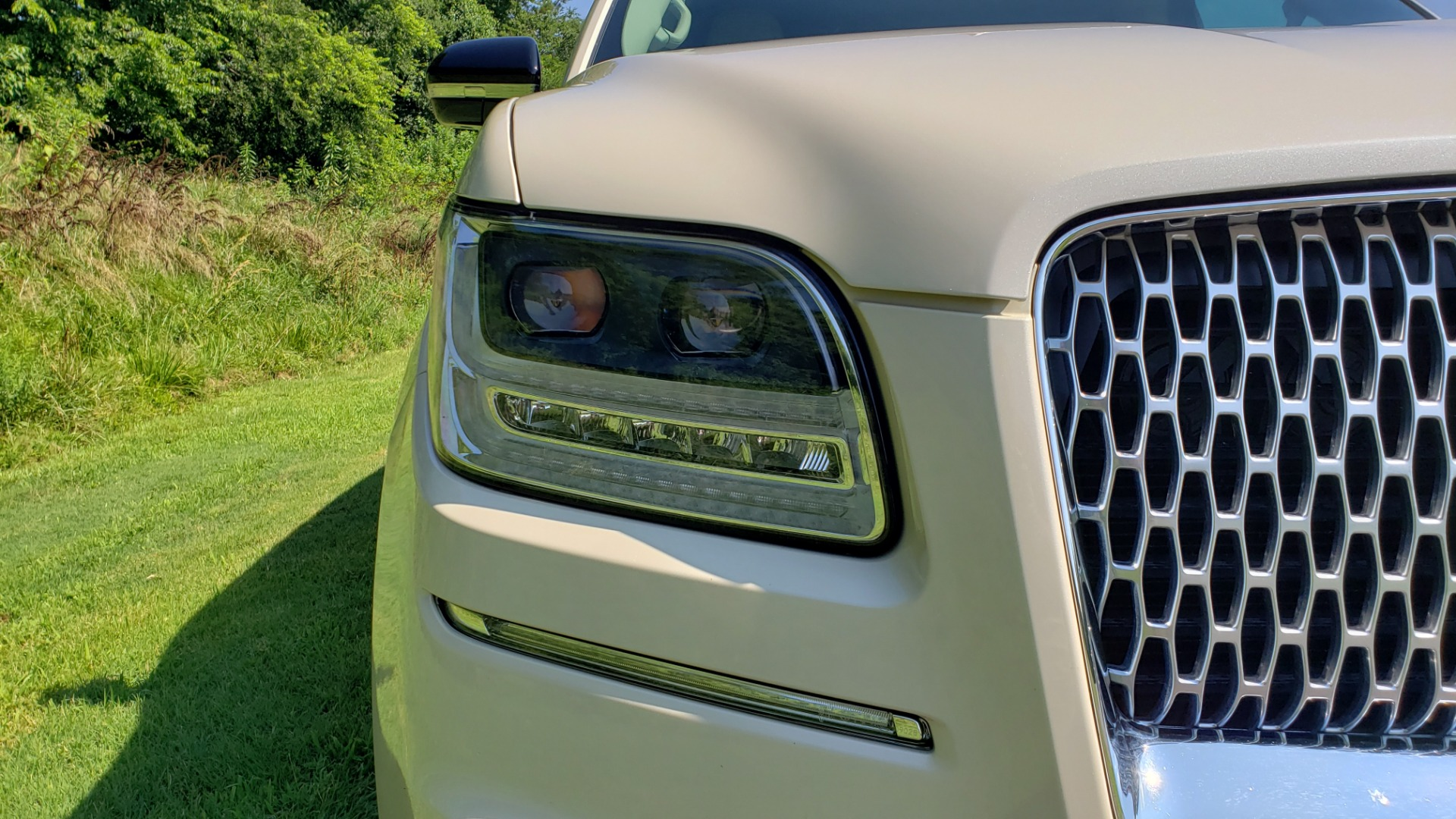 Used 2018 Lincoln NAVIGATOR PREMIERE 4X2 / TWIN-TURBO V6 / NAV / 3-ROW / REARVIEW for sale Sold at Formula Imports in Charlotte NC 28227 12