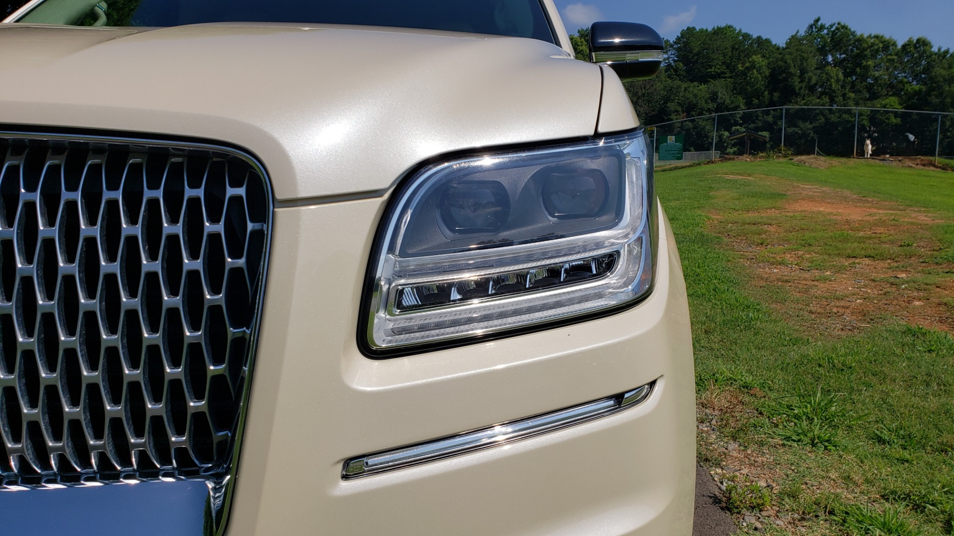 Used 2018 Lincoln NAVIGATOR PREMIERE 4X2 / TWIN-TURBO V6 / NAV / 3-ROW / REARVIEW for sale Sold at Formula Imports in Charlotte NC 28227 13
