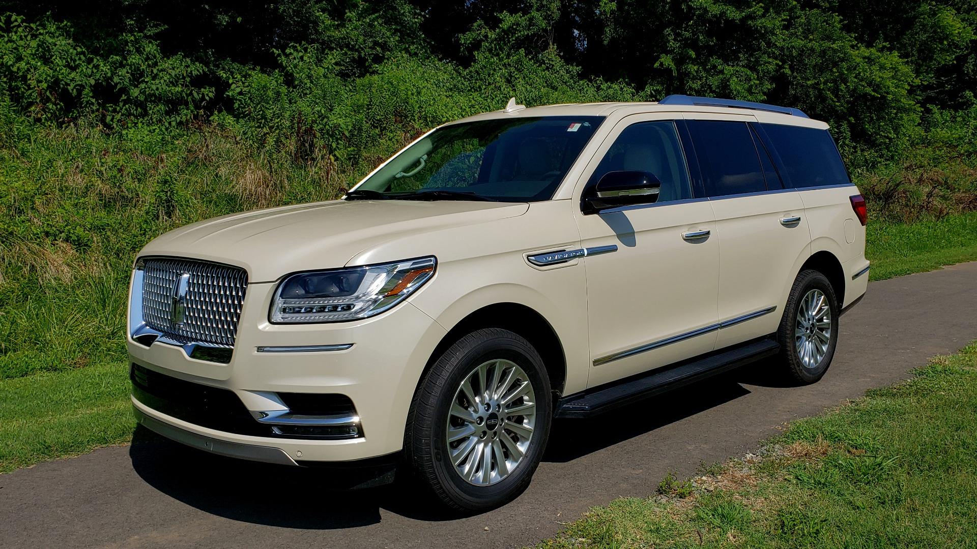 Used 2018 Lincoln NAVIGATOR PREMIERE 4X2 / TWIN-TURBO V6 / NAV / 3-ROW / REARVIEW for sale Sold at Formula Imports in Charlotte NC 28227 2