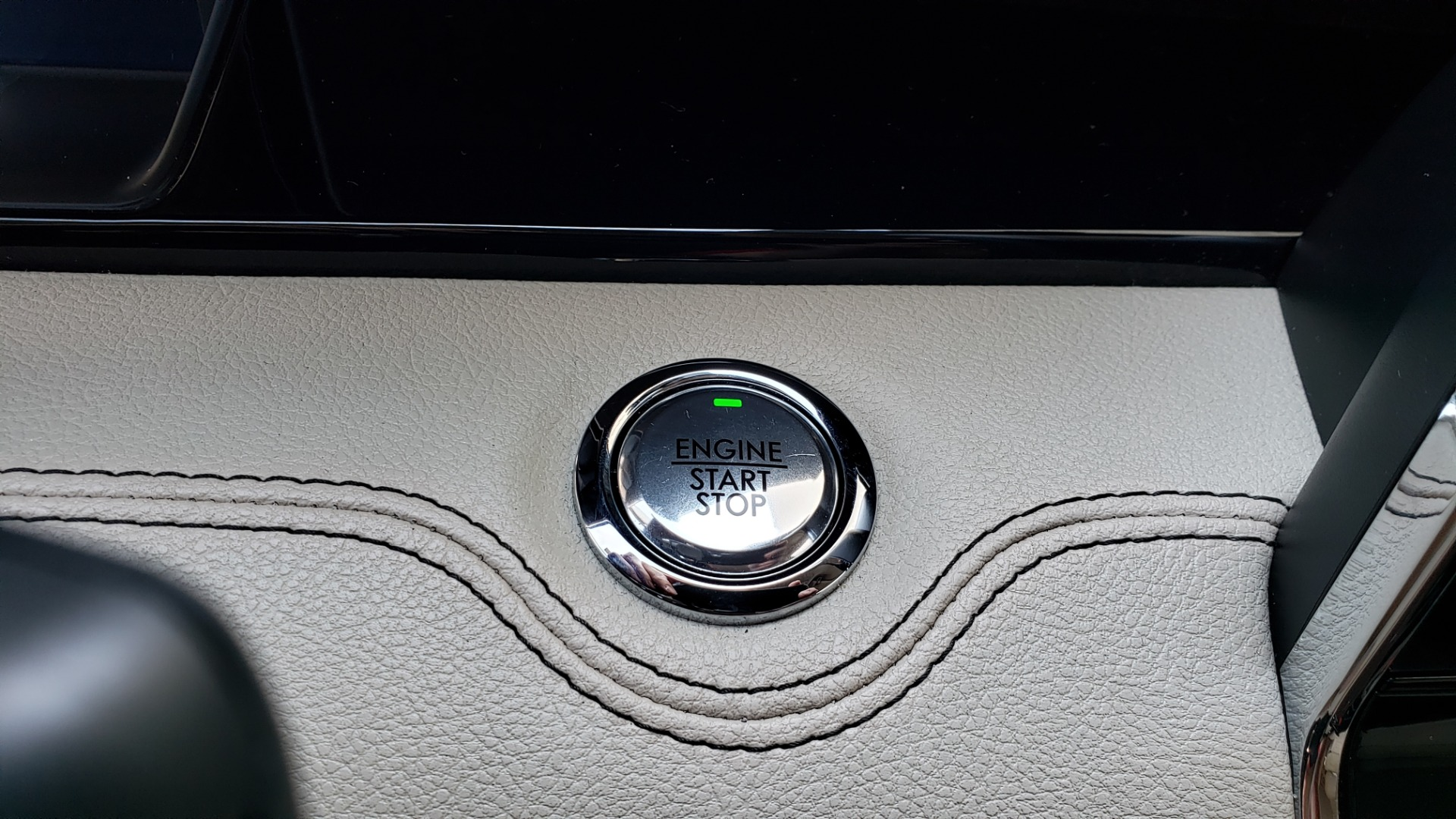 Used 2018 Lincoln NAVIGATOR PREMIERE 4X2 / TWIN-TURBO V6 / NAV / 3-ROW / REARVIEW for sale Sold at Formula Imports in Charlotte NC 28227 51
