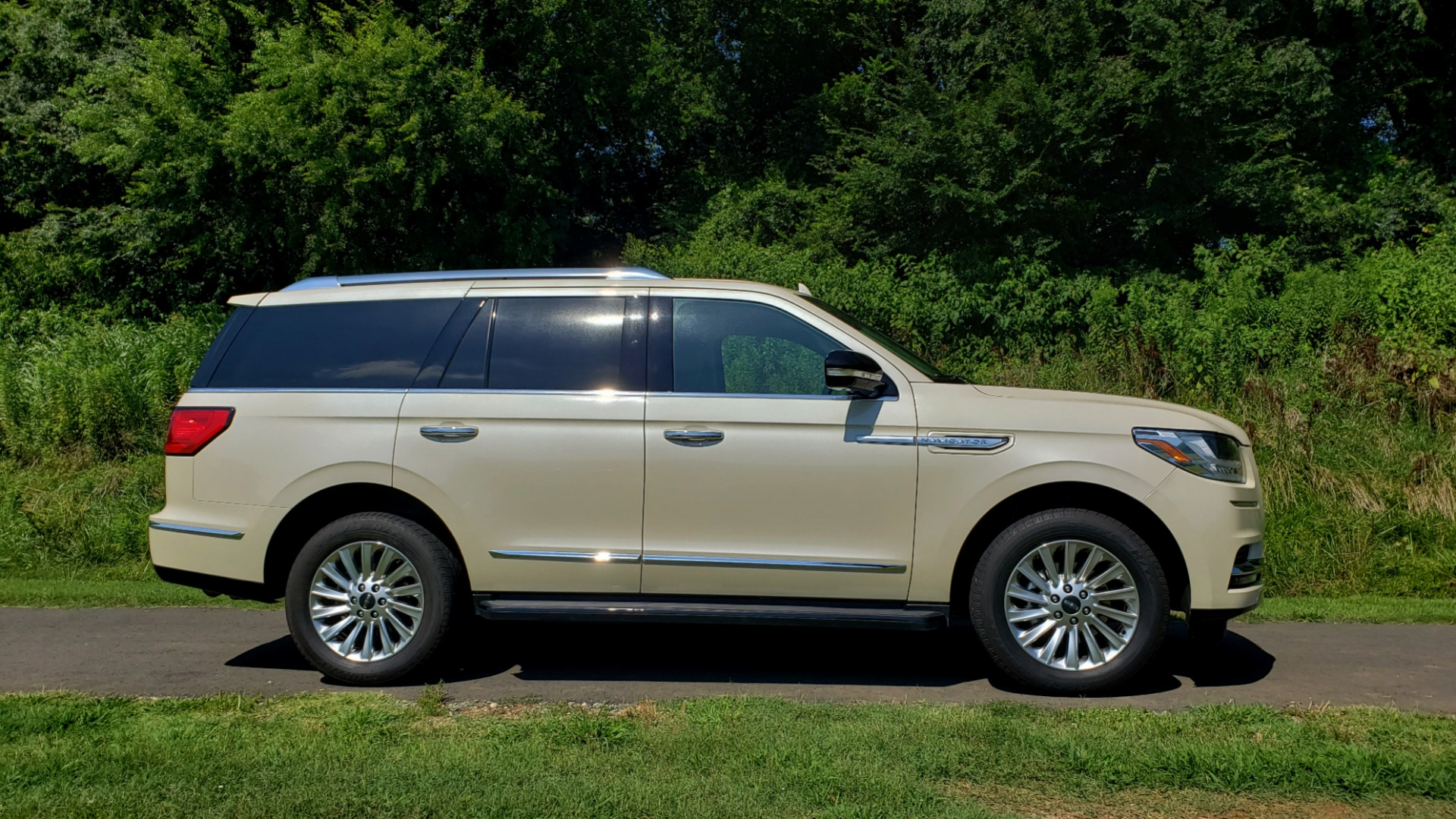 Used 2018 Lincoln NAVIGATOR PREMIERE 4X2 / TWIN-TURBO V6 / NAV / 3-ROW / REARVIEW for sale Sold at Formula Imports in Charlotte NC 28227 6