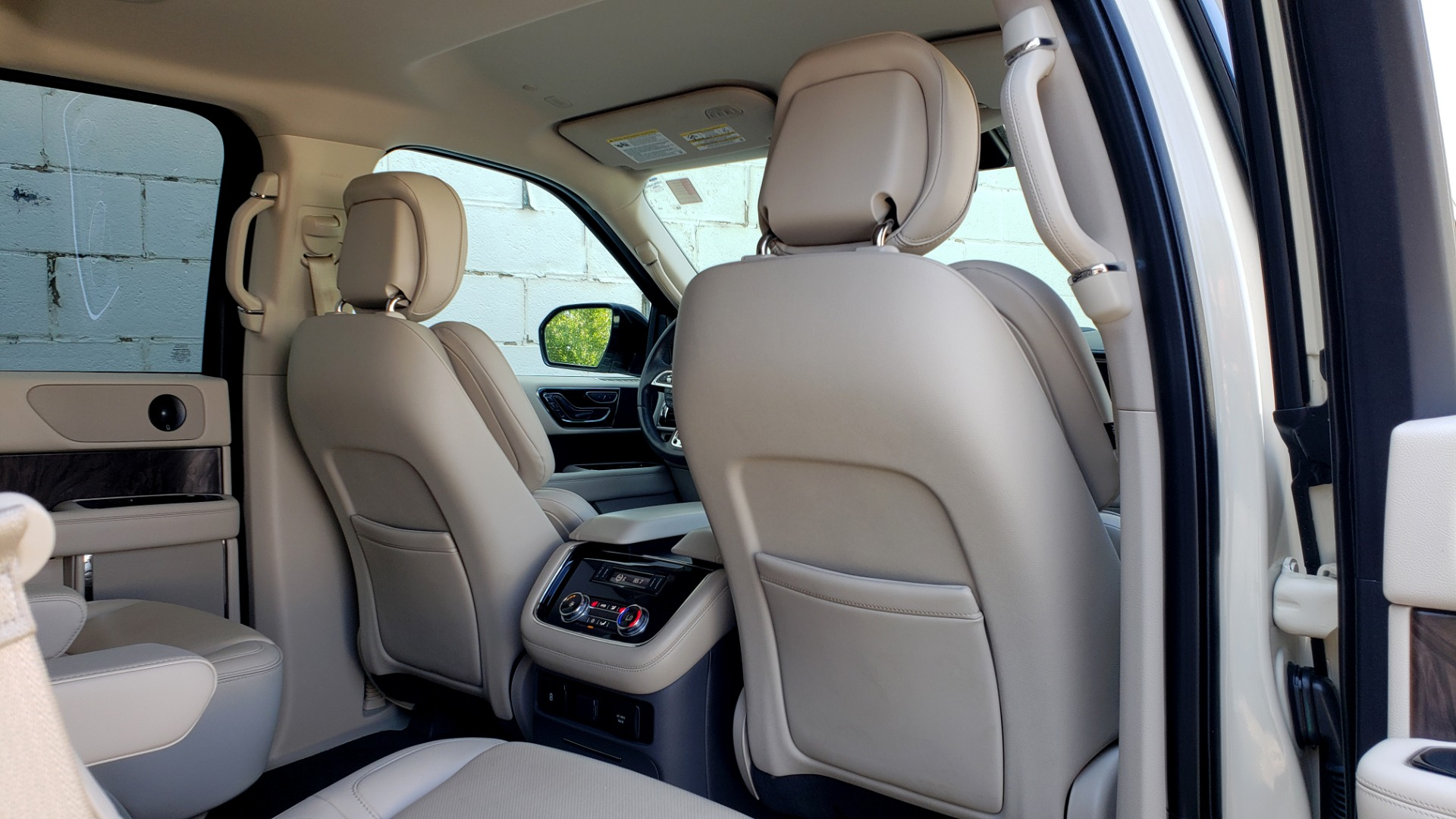 Used 2018 Lincoln NAVIGATOR PREMIERE 4X2 / TWIN-TURBO V6 / NAV / 3-ROW / REARVIEW for sale Sold at Formula Imports in Charlotte NC 28227 84