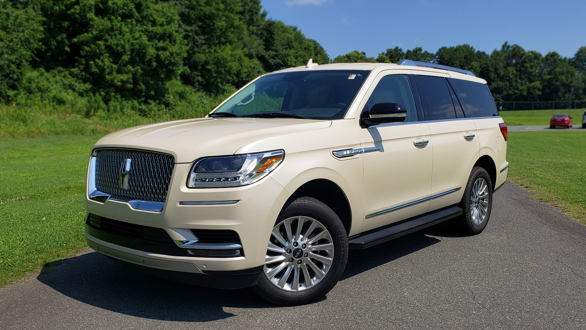 Used 2018 Lincoln NAVIGATOR PREMIERE 4X2 / TWIN-TURBO V6 / NAV / 3-ROW / REARVIEW for sale Sold at Formula Imports in Charlotte NC 28227 1