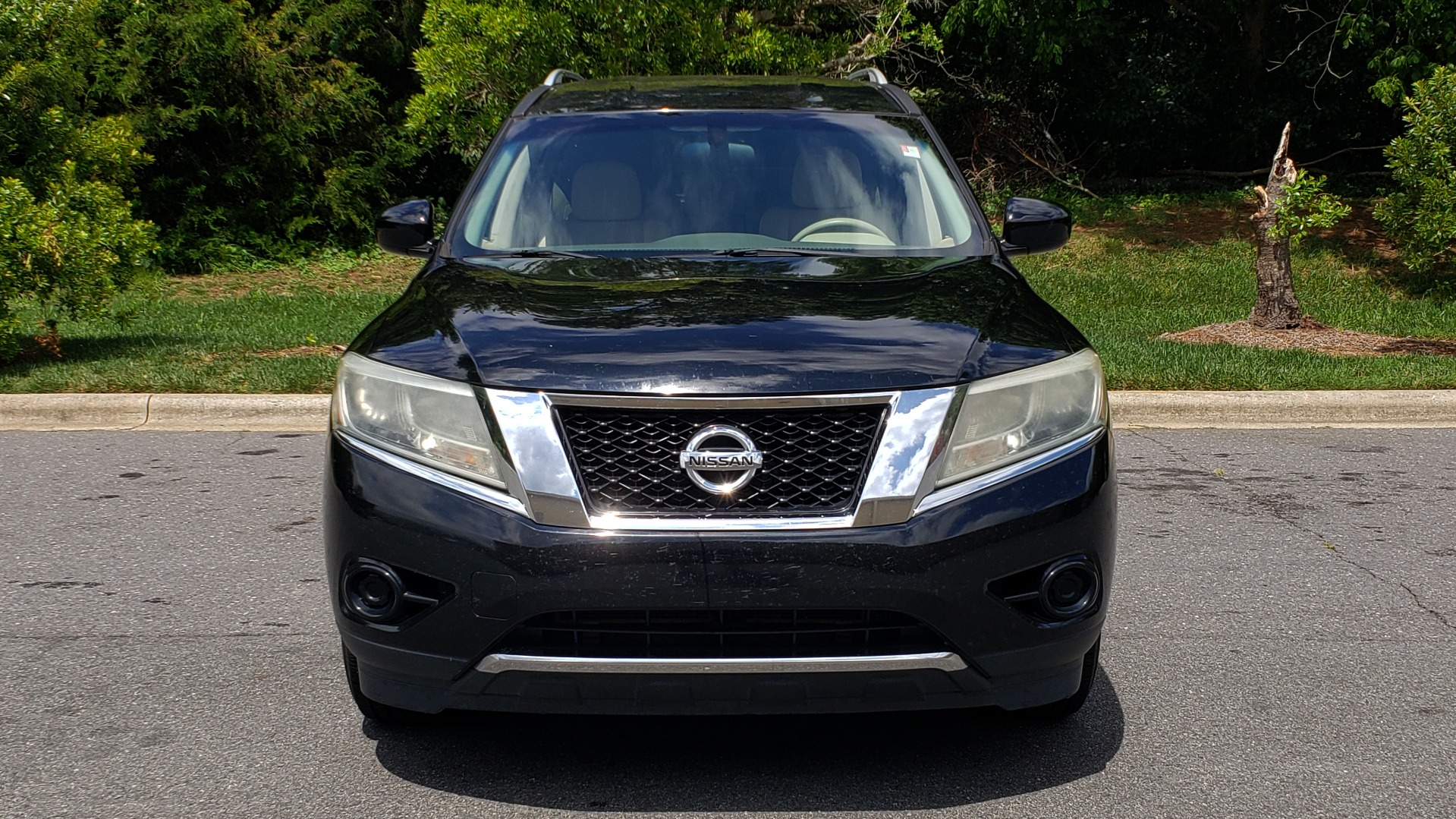 Used 2013 Nissan PATHFINDER SV 3.5L V6 / 3-ROW SEATING / TRAILER HITCH / REARVIEW for sale Sold at Formula Imports in Charlotte NC 28227 18