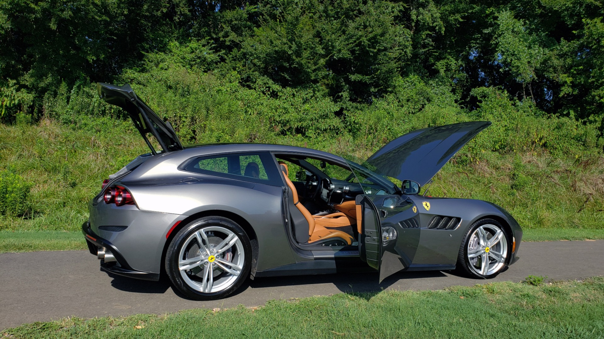 Used 2017 Ferrari GTC4Lusso for sale Sold at Formula Imports in Charlotte NC 28227 33