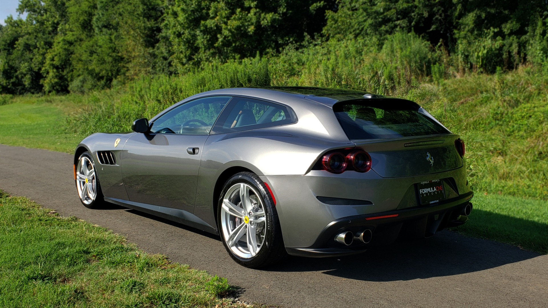 Used 2017 Ferrari GTC4 LUSSO AWD / PANO-ROOF / APPLE CAR PLAY / SUSP LIFT / JBL SOUND for sale $188,999 at Formula Imports in Charlotte NC 28227 6