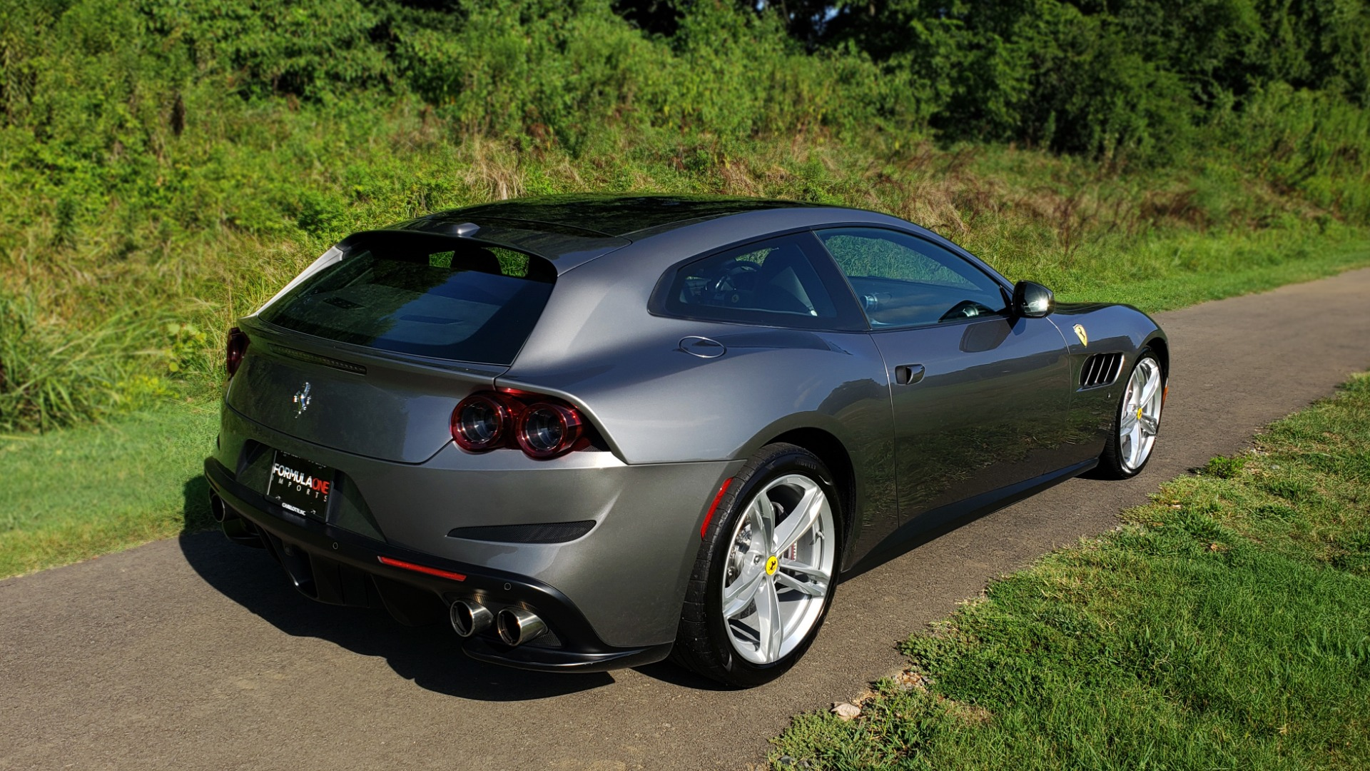 Used 2017 Ferrari GTC4 LUSSO AWD / PANO-ROOF / APPLE CAR PLAY / SUSP LIFT / JBL SOUND for sale $188,999 at Formula Imports in Charlotte NC 28227 7