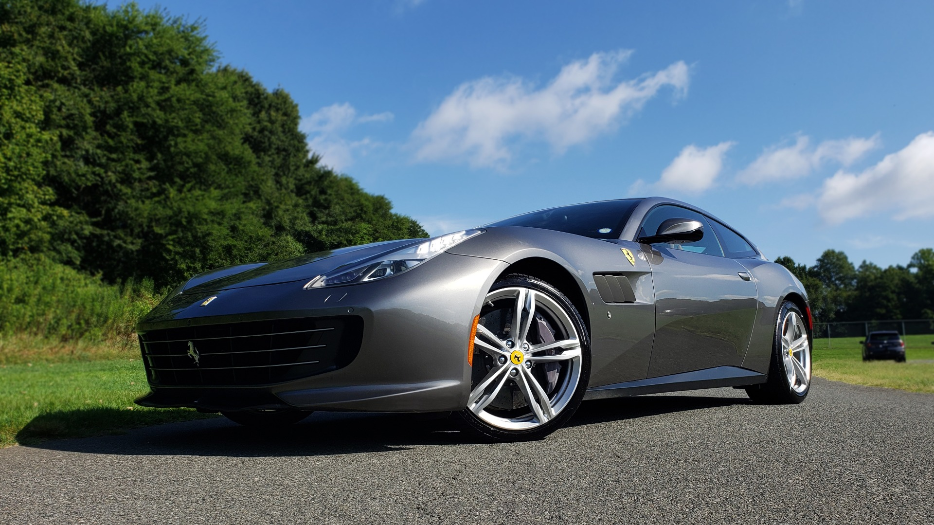 Used 2017 Ferrari GTC4 LUSSO AWD / PANO-ROOF / APPLE CAR PLAY / SUSP LIFT / JBL SOUND for sale $188,999 at Formula Imports in Charlotte NC 28227 1