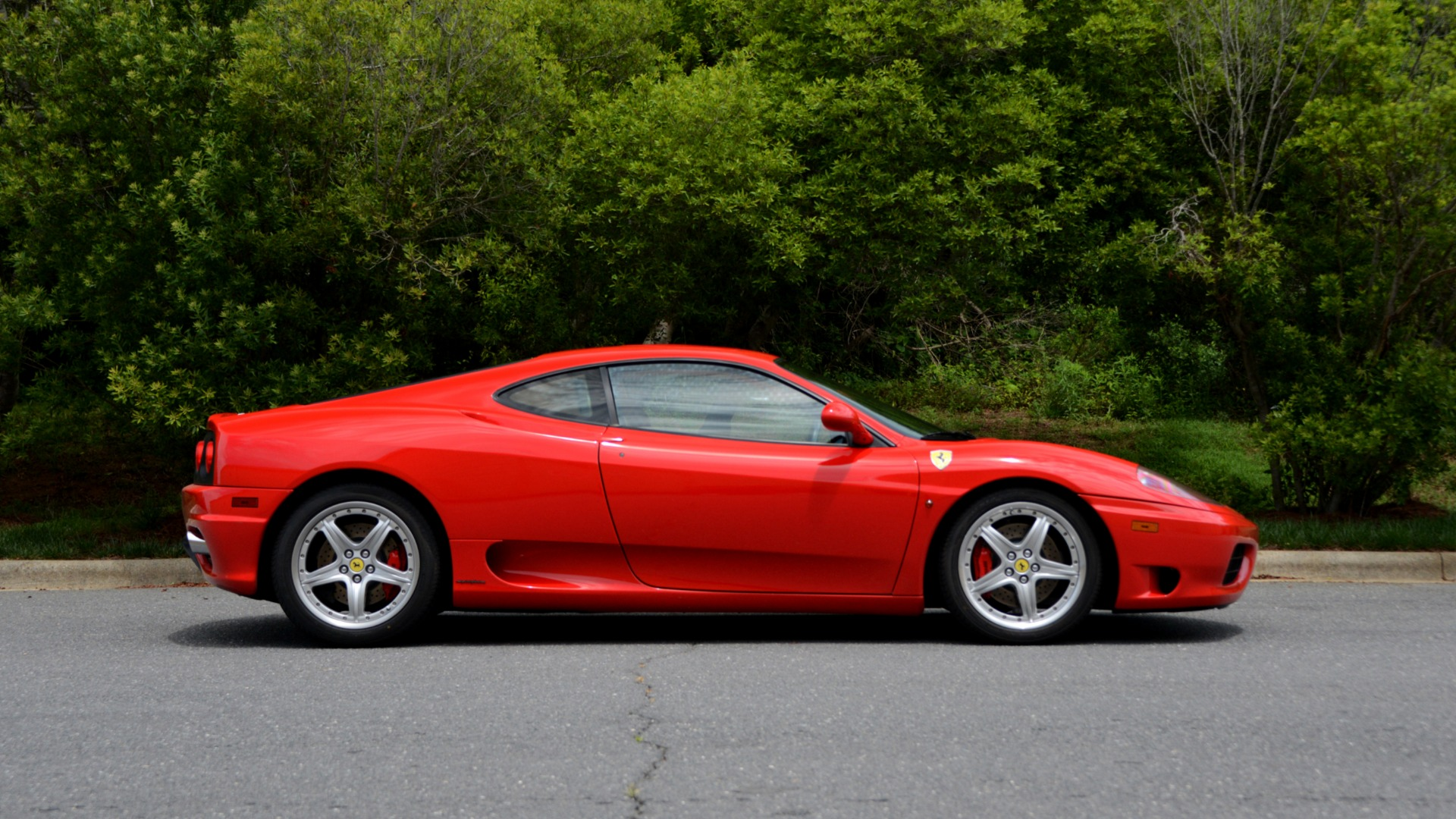 Used 2004 Ferrari 360 MODENA COUPE / GATED 6-SPD MANUAL / SUNROOF / LOW MILES for sale Sold at Formula Imports in Charlotte NC 28227 5