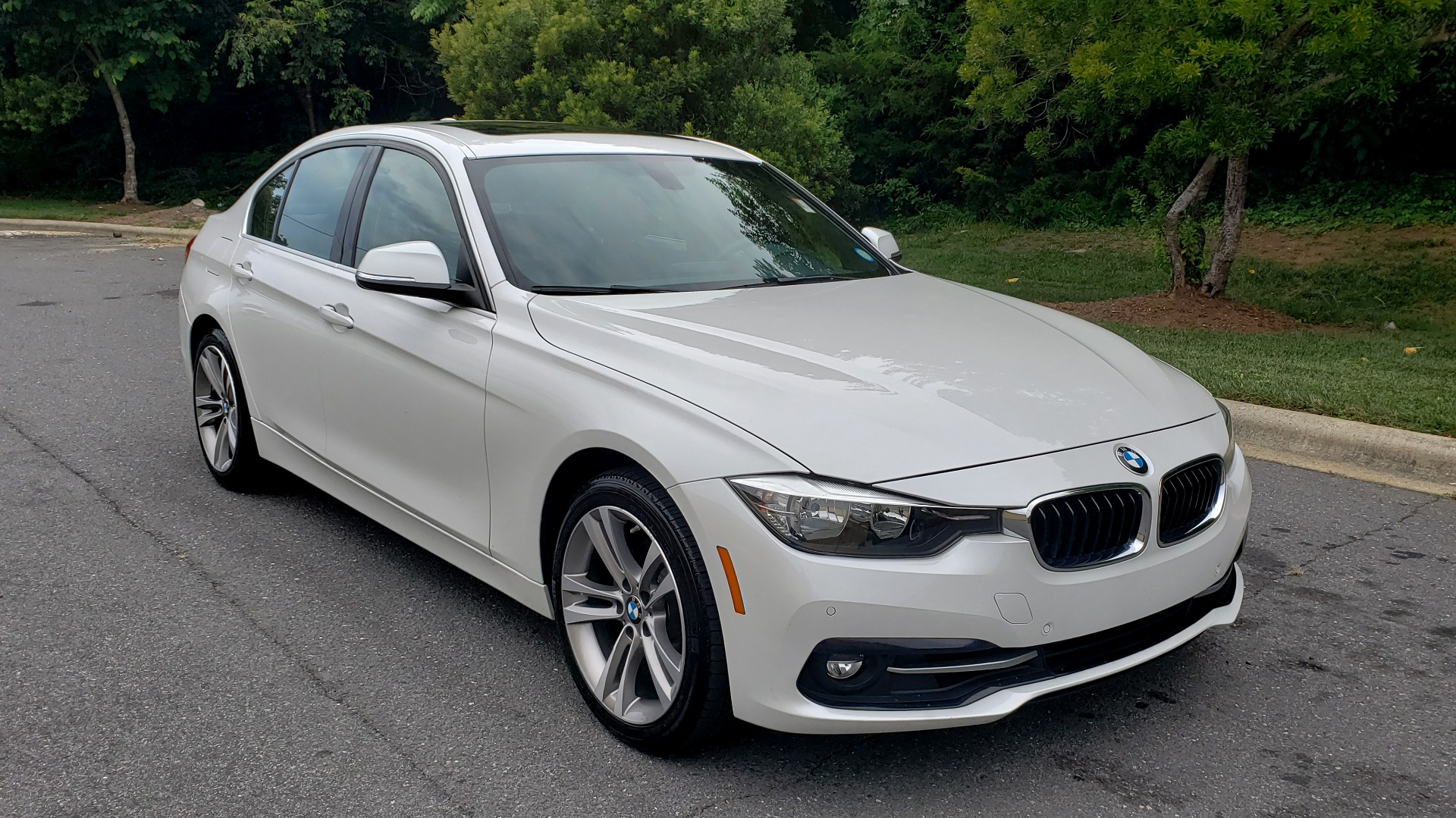 Used 2017 BMW 3 SERIES 330I SPORT / DRIVER ASST / SUNROOF / REARVIEW for sale $21,295 at Formula Imports in Charlotte NC 28227 4