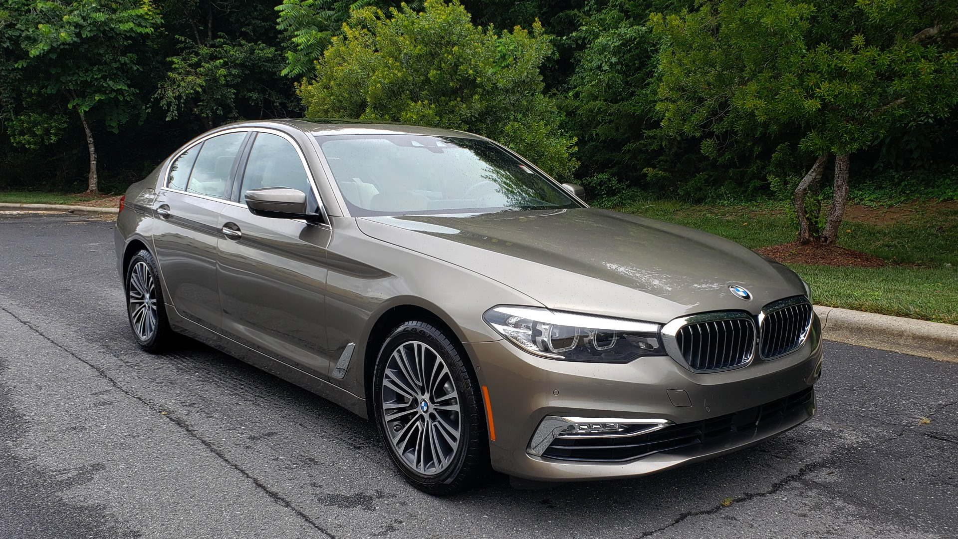 Used 2017 BMW 5 SERIES 530I PREMIUM / NAV / SUNROOF / DRVR ASST PLUS II / LUXURY for sale Sold at Formula Imports in Charlotte NC 28227 11