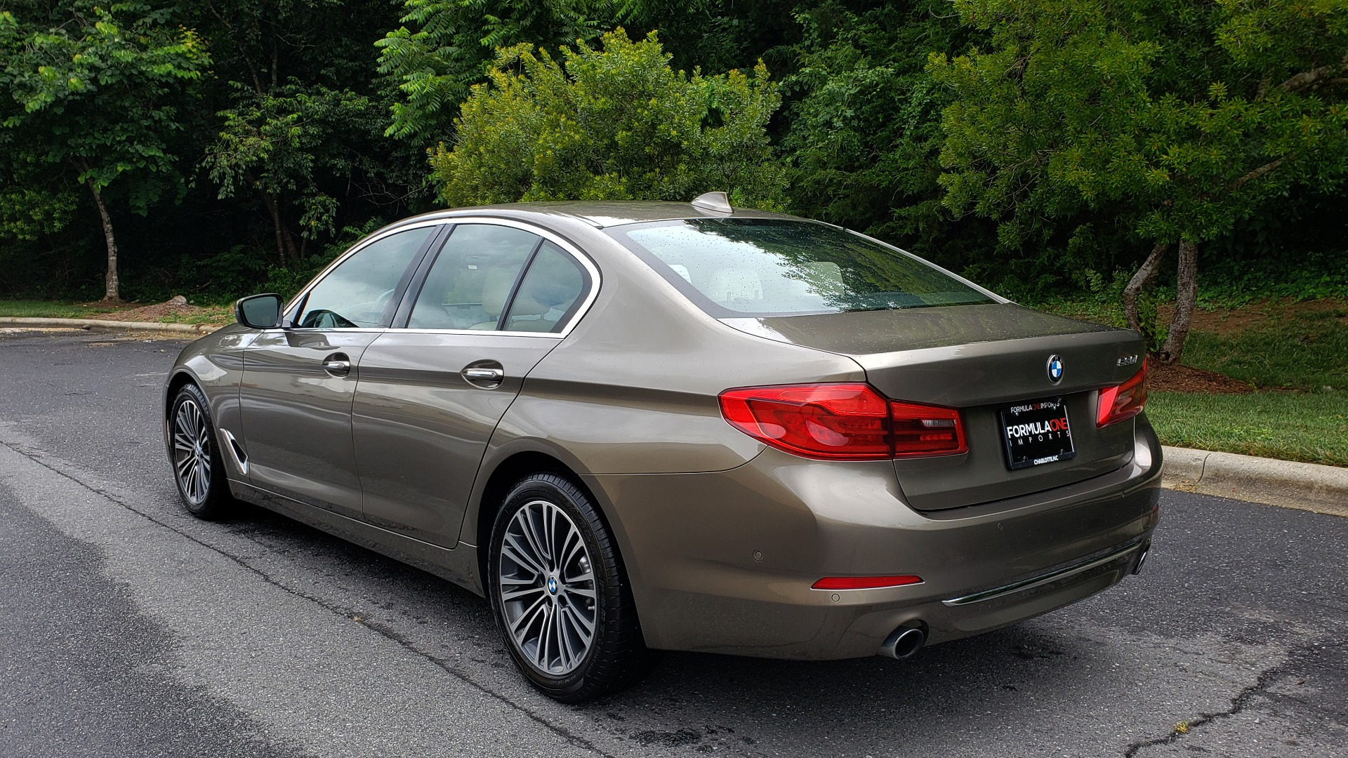 Used 2017 BMW 5 SERIES 530I PREMIUM / NAV / SUNROOF / DRVR ASST PLUS II / LUXURY for sale Sold at Formula Imports in Charlotte NC 28227 3